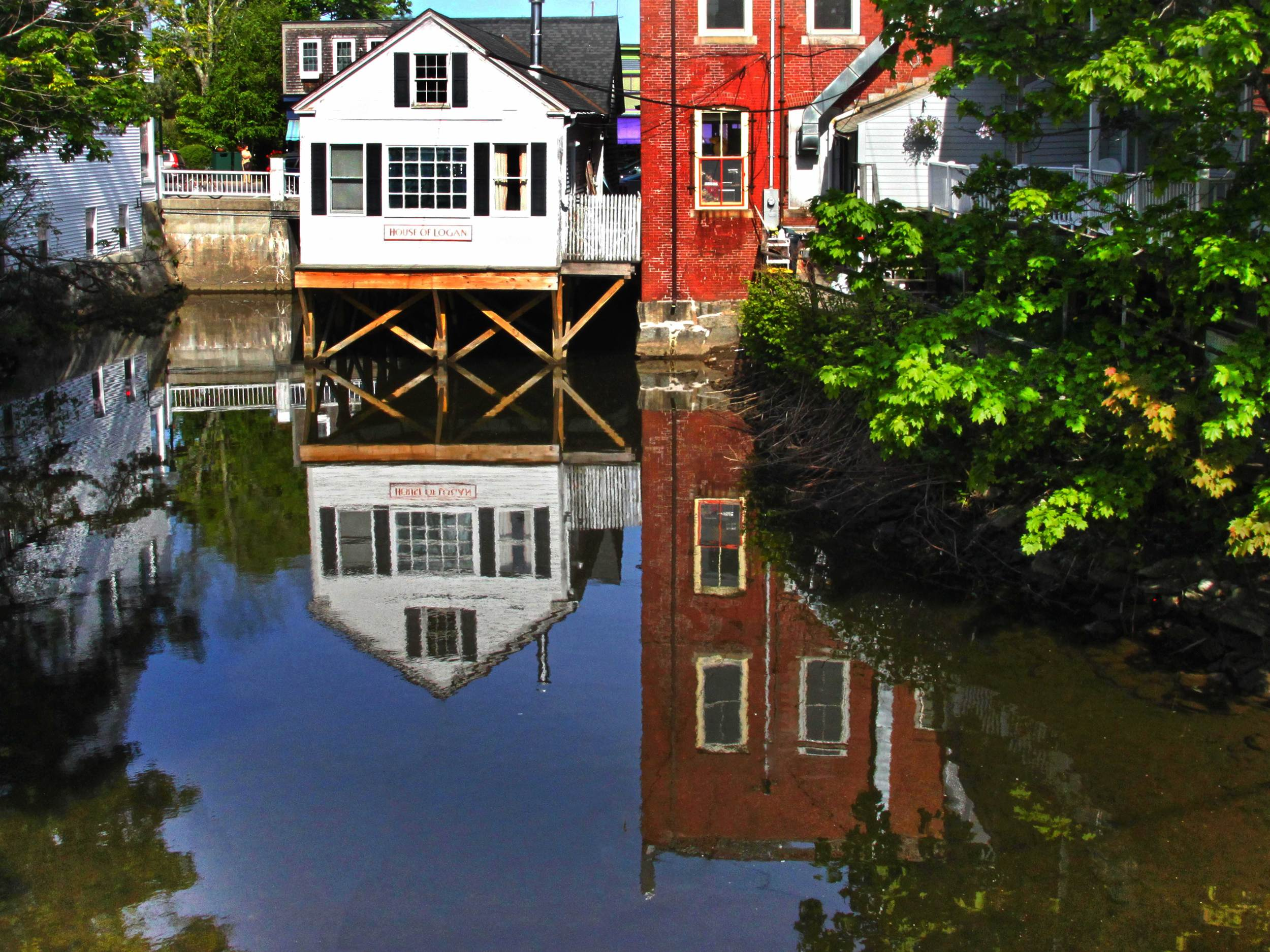 WEBCamden-Maine,-Old-Building-Reflections-on-Water-(1).jpg