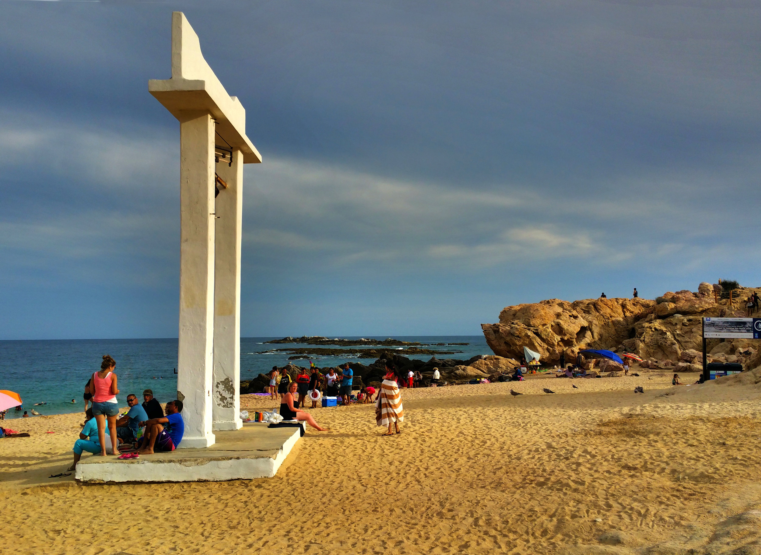 Los Cabos' Chileno Beach is a snorkler's paradise and the golden sand beaches are the perfect place for a picnic, familly get-together (or wedding, which happens here often). Visitor amenities are state-of-the-art, and include showers, changing rooms, and an accessible walkway down to the beach.