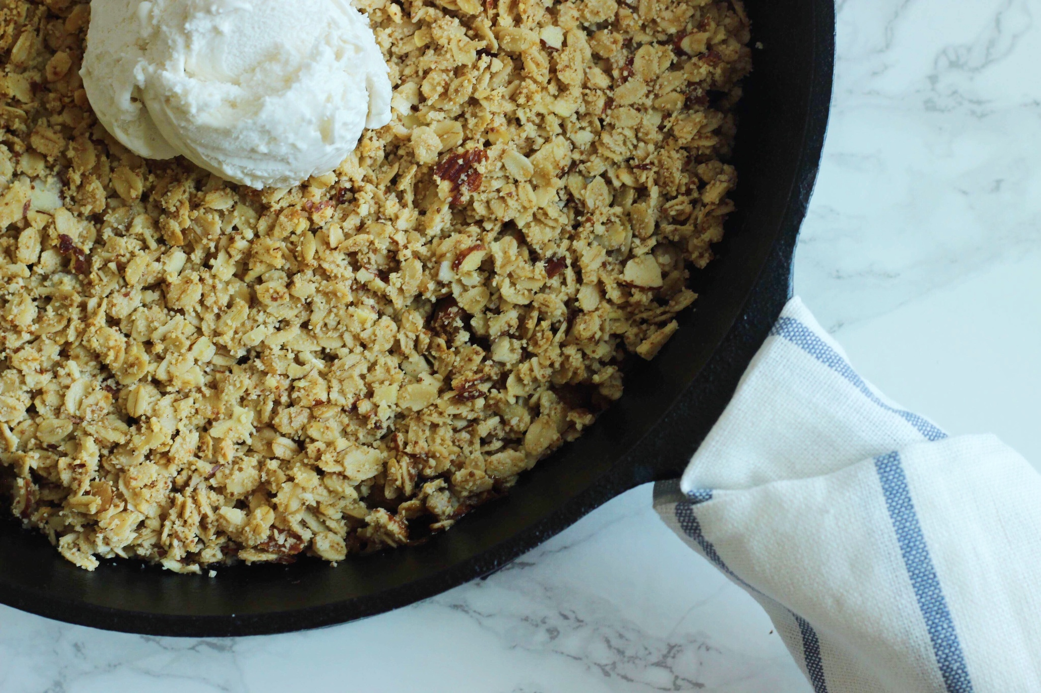 close up of baked rhubarb crisp