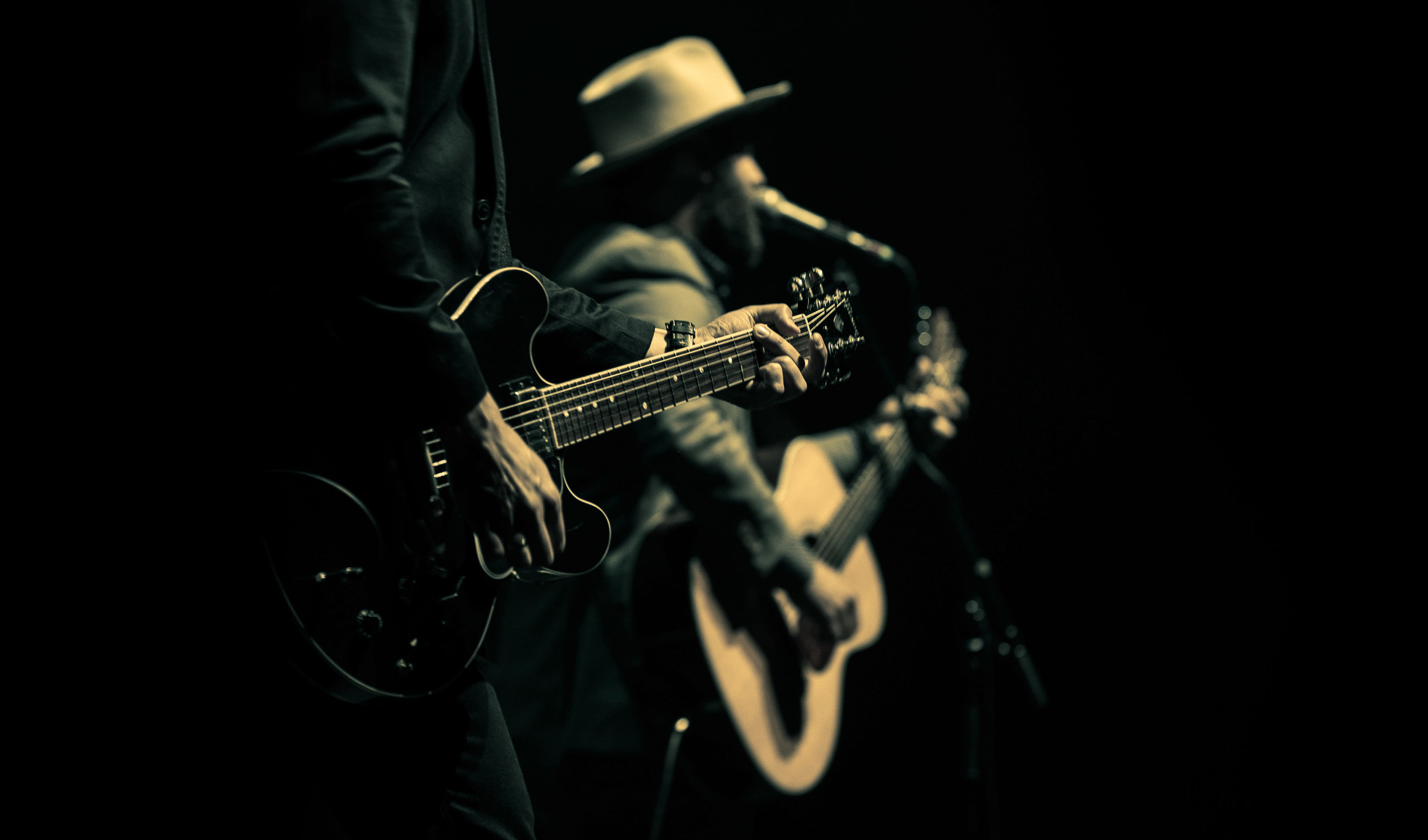 Drew Holcomb (2 of 4).jpg