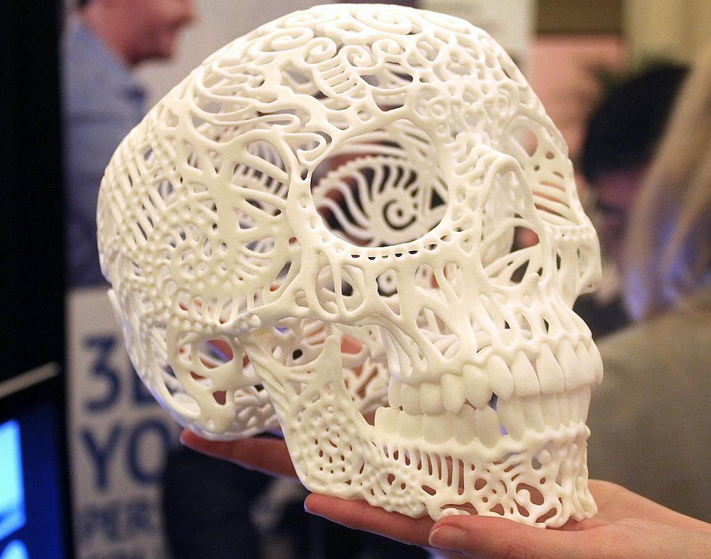 Sculpteo 3D printed skull by artist Joshua Harker. Source: VentureBeat, www.Flikr.com