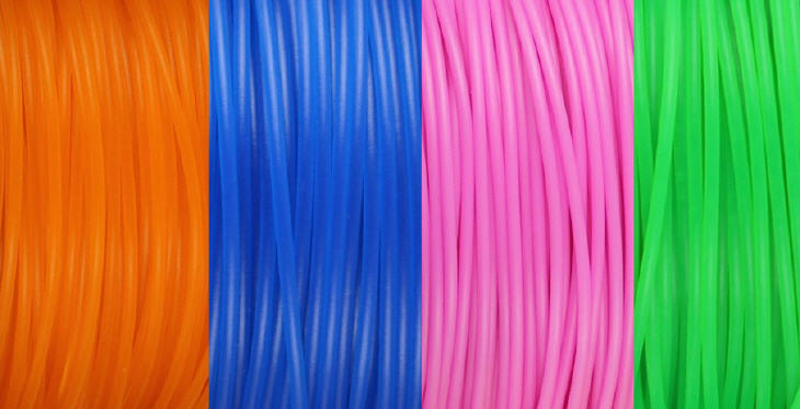 Thermoplastic filaments of different colors. Source: isis3d.net