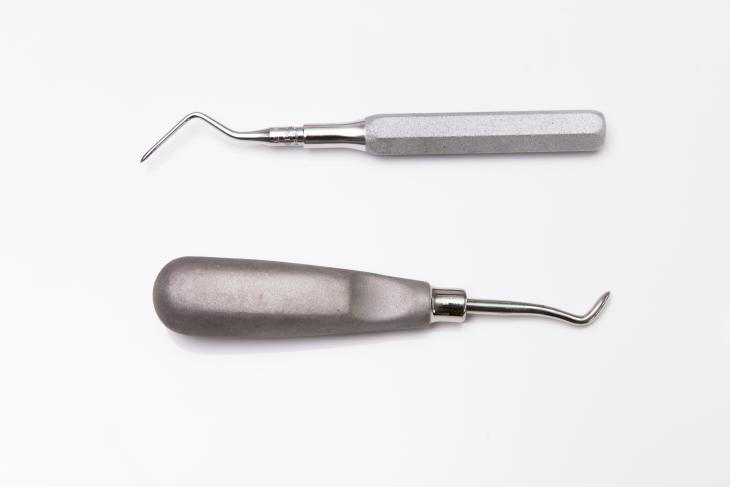 Dental Tools. Source: kikujungboy/Shutterstock.com