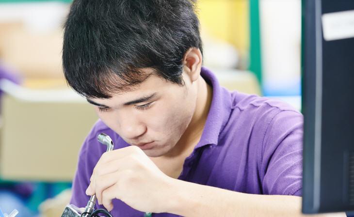 3D Printed Setting up MakerBot Replicator 2. Source: Dmitry Kalinovsky/Shutterstock.com