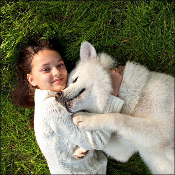 3D Printed Girl and cuddling dog. Source: KhushiAnn/www.shutterstock.com