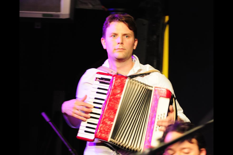 26539_accordion.jpg