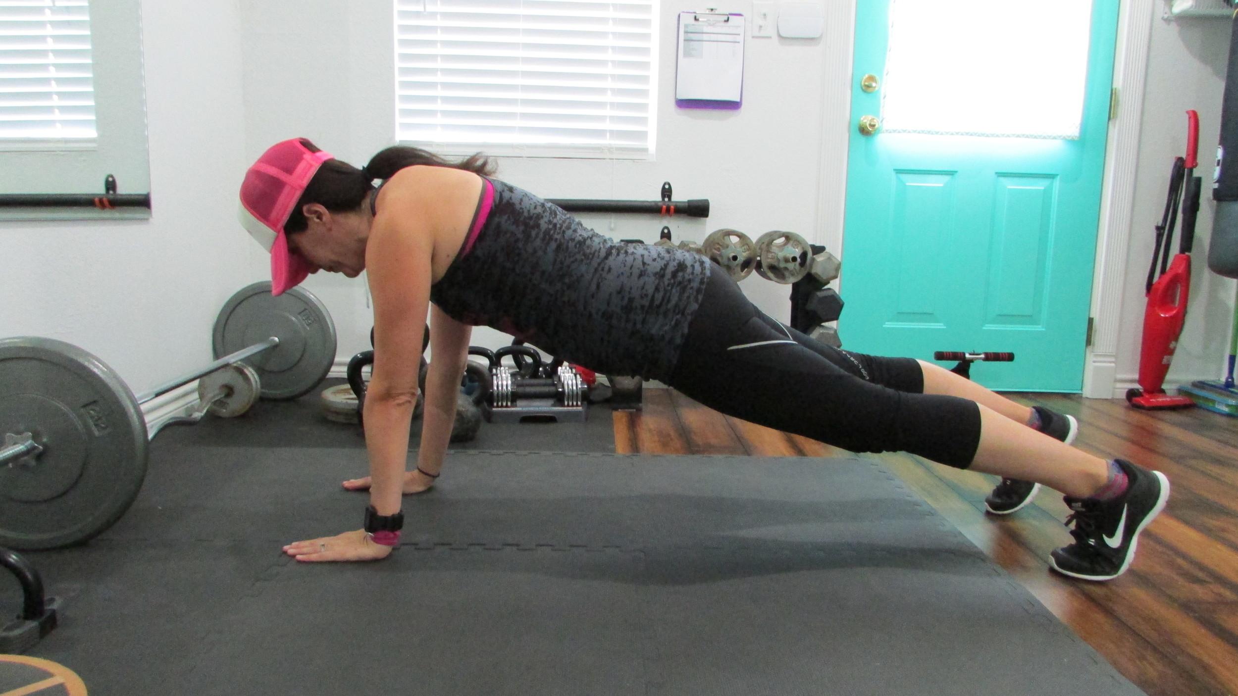 Lea Genders Fitness Straight Arm Plank