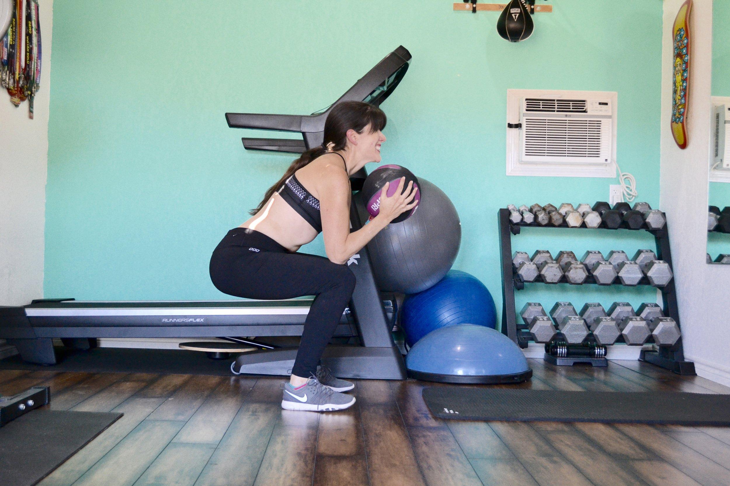 medicine ball squat