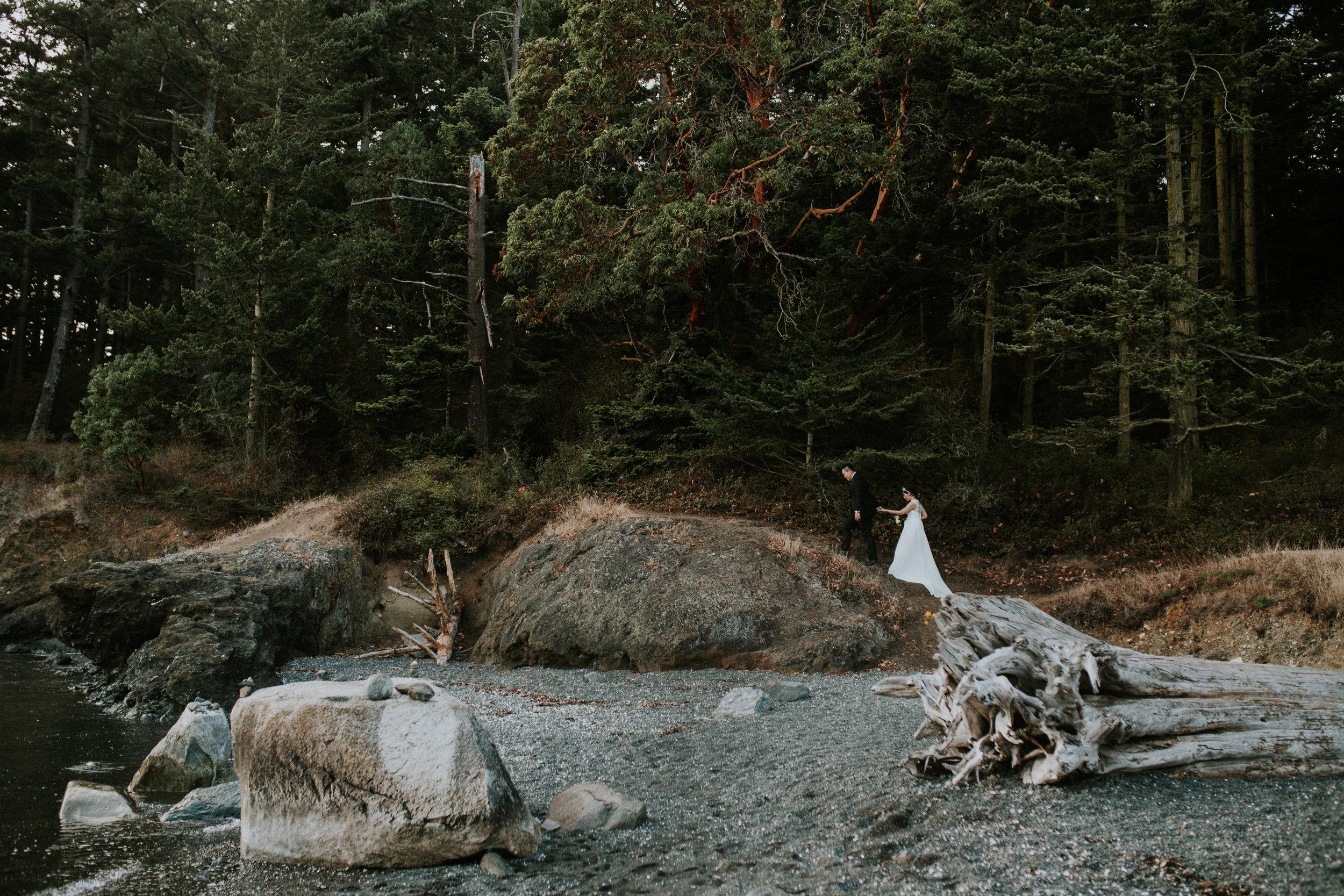 wedding couple deception pass