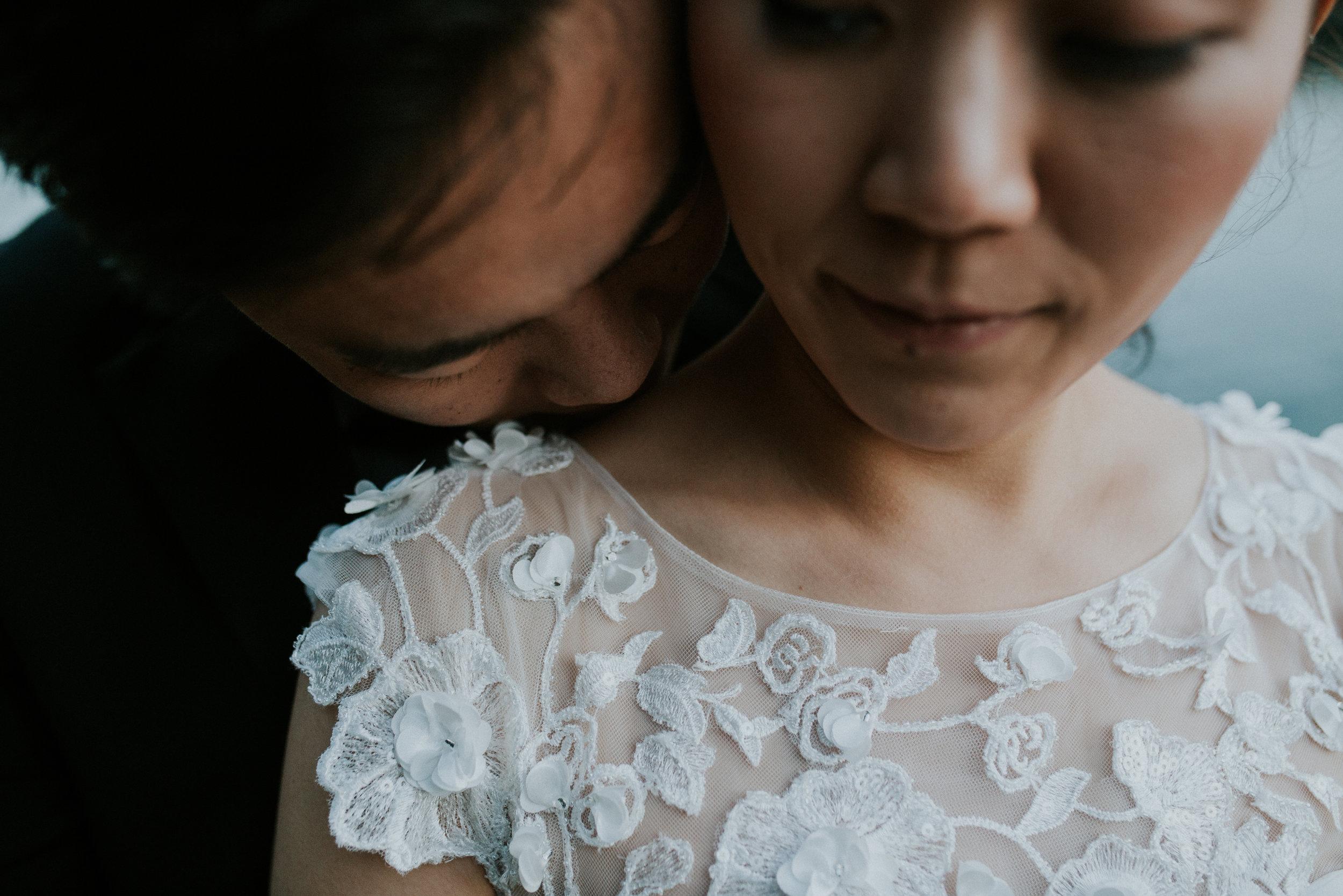 bride kiss seattle