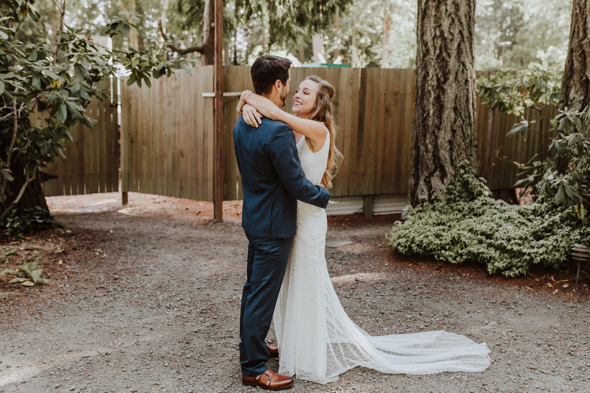 wedding photographer washington seattle first look
