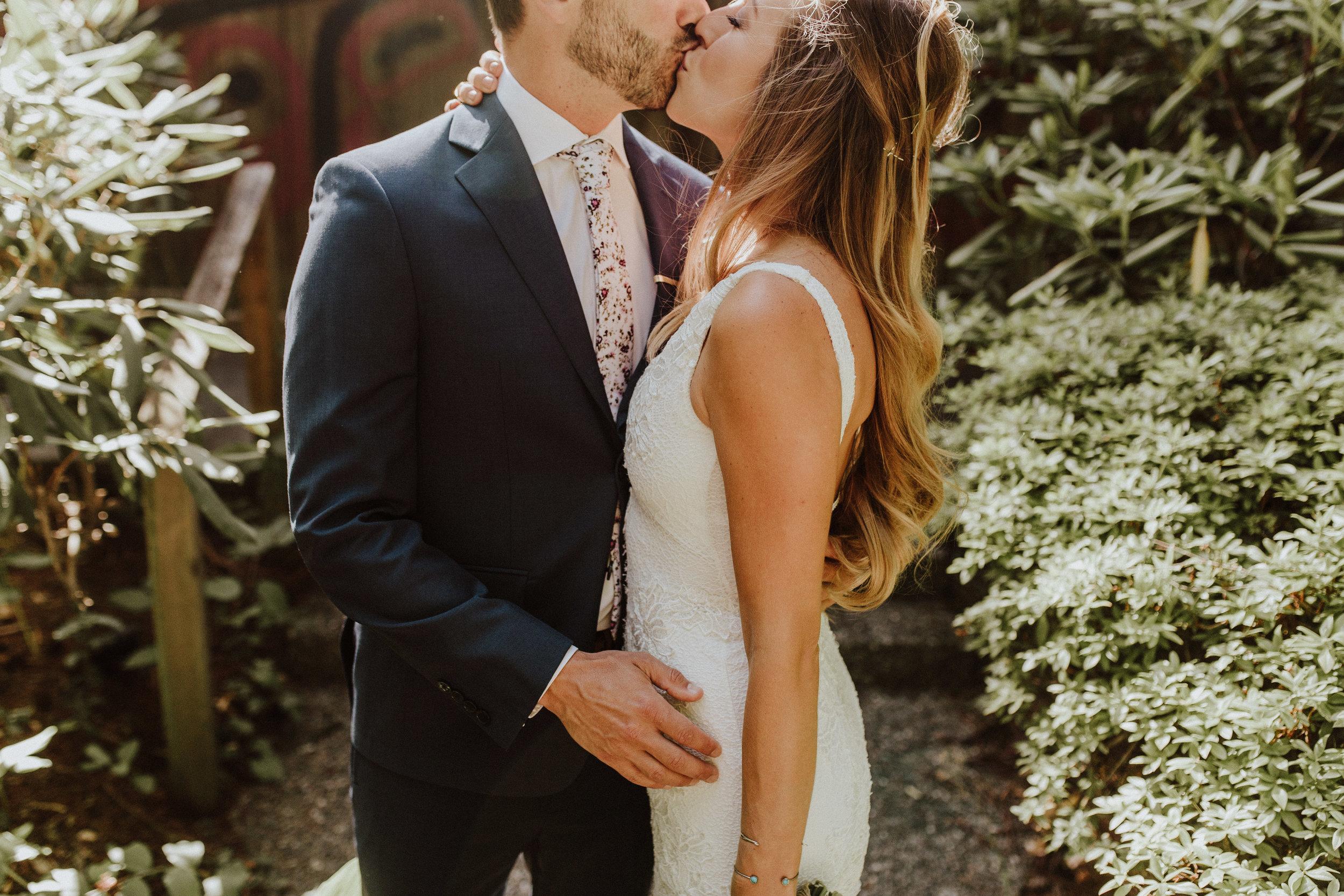 wedding kiss kiana lodge