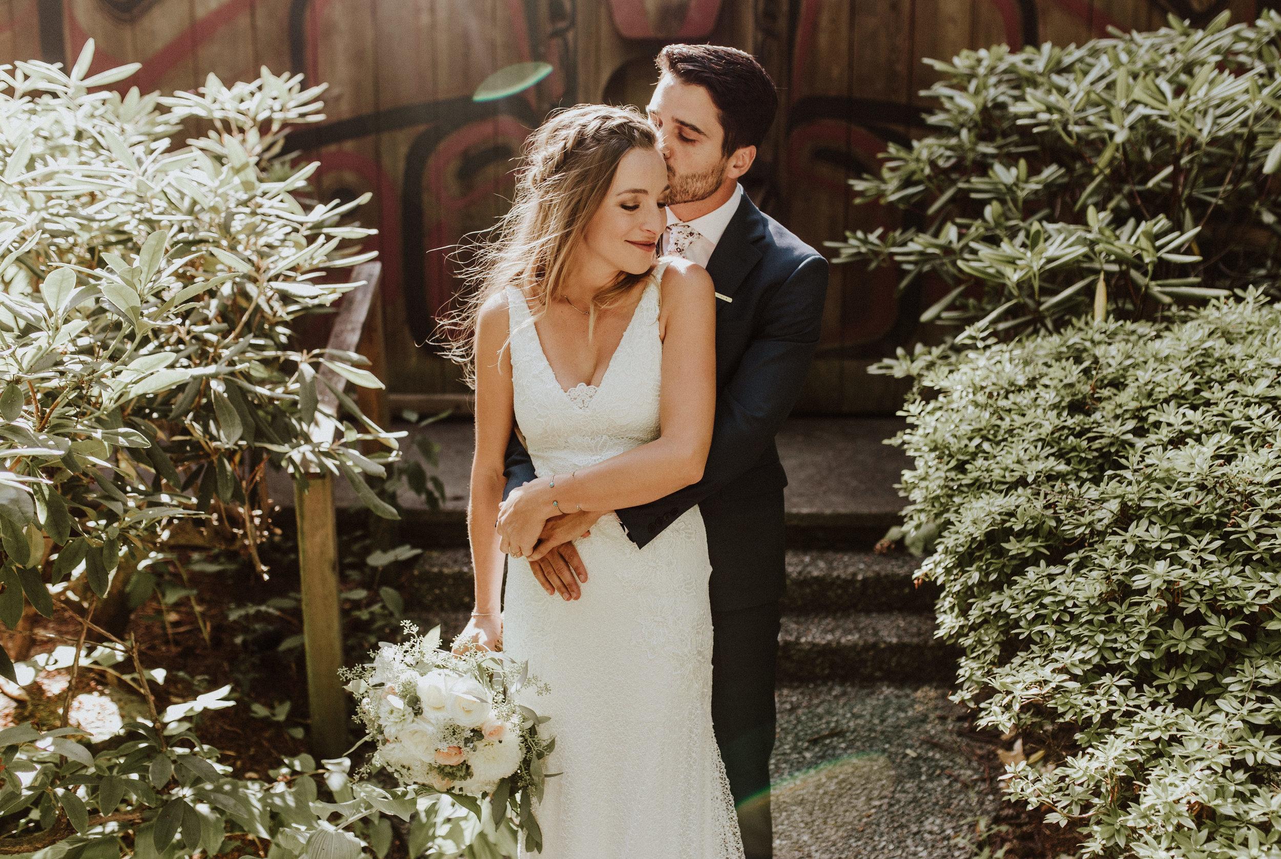wedding and engagement photogtapher kiana lodge