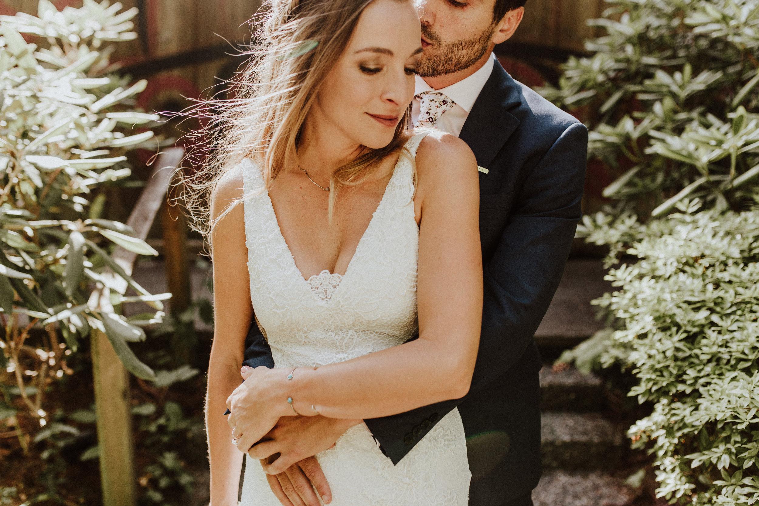 wedding photographer in kiana lodge
