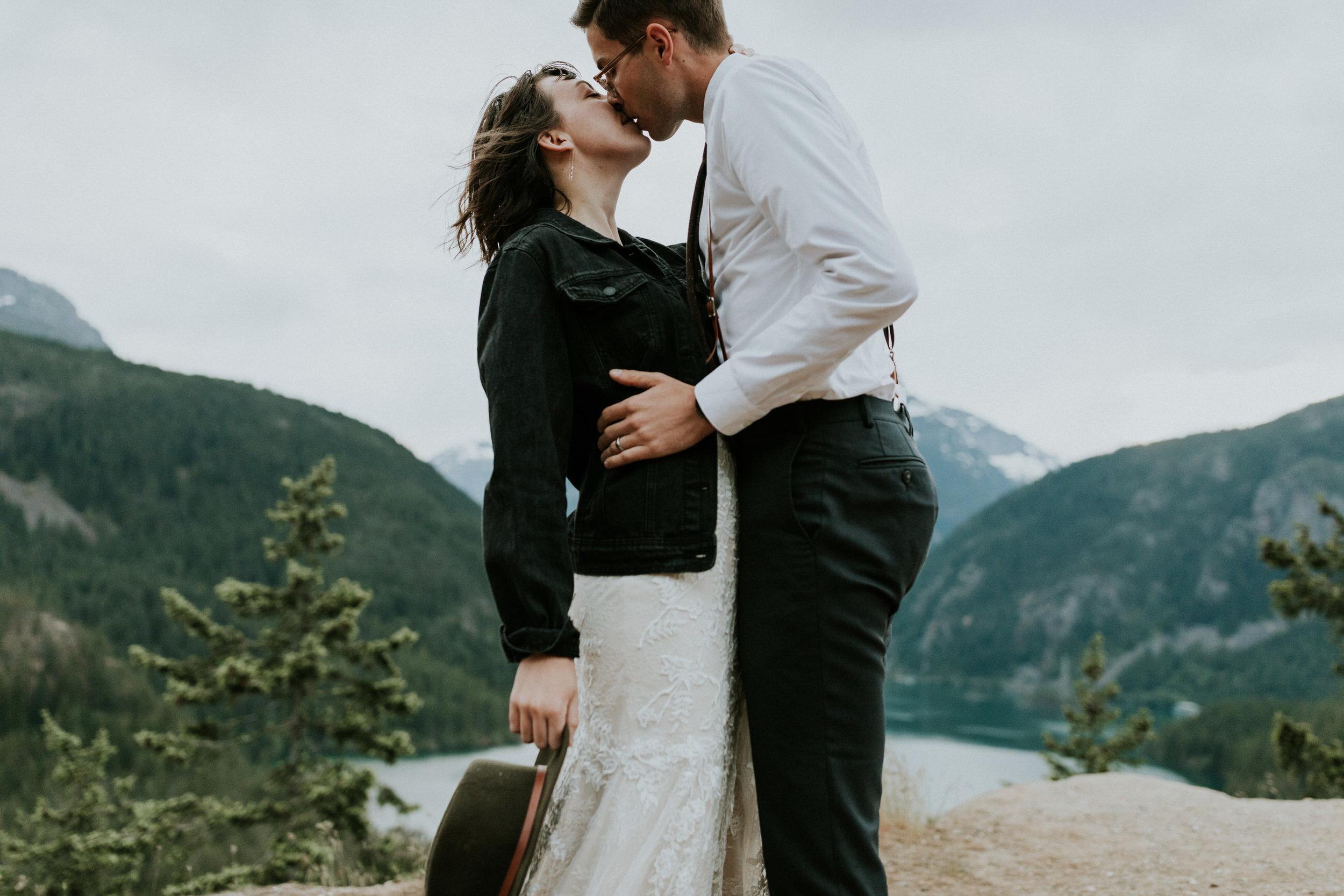 Ellie&Matt-wedding-seattle-diablolake146.jpg