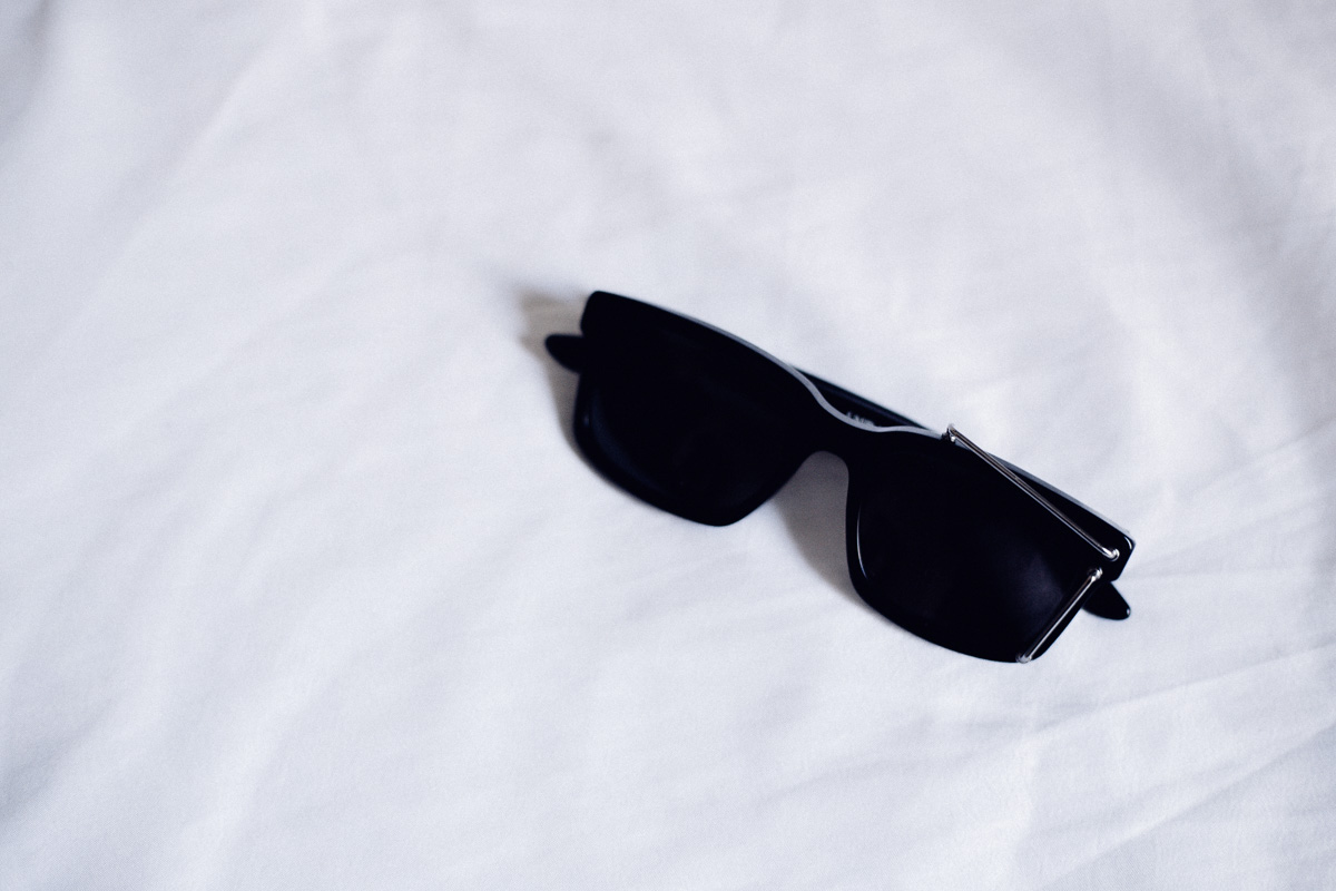 lura-sunglasses-edgy-mens-sunglass-4.jpg