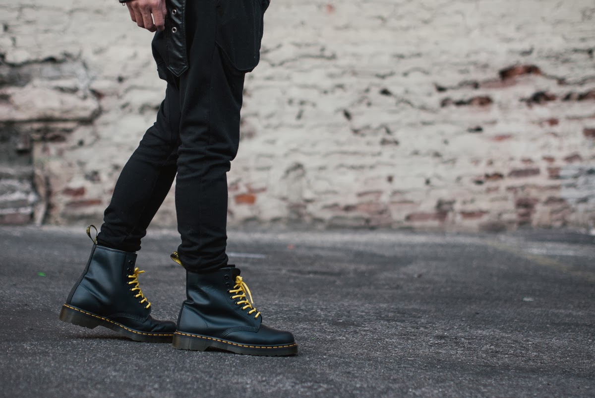 mybelonging-tommylei-menswearblogger-jamespayne-leatherjacket-karmaloop-drmartens-39.jpg