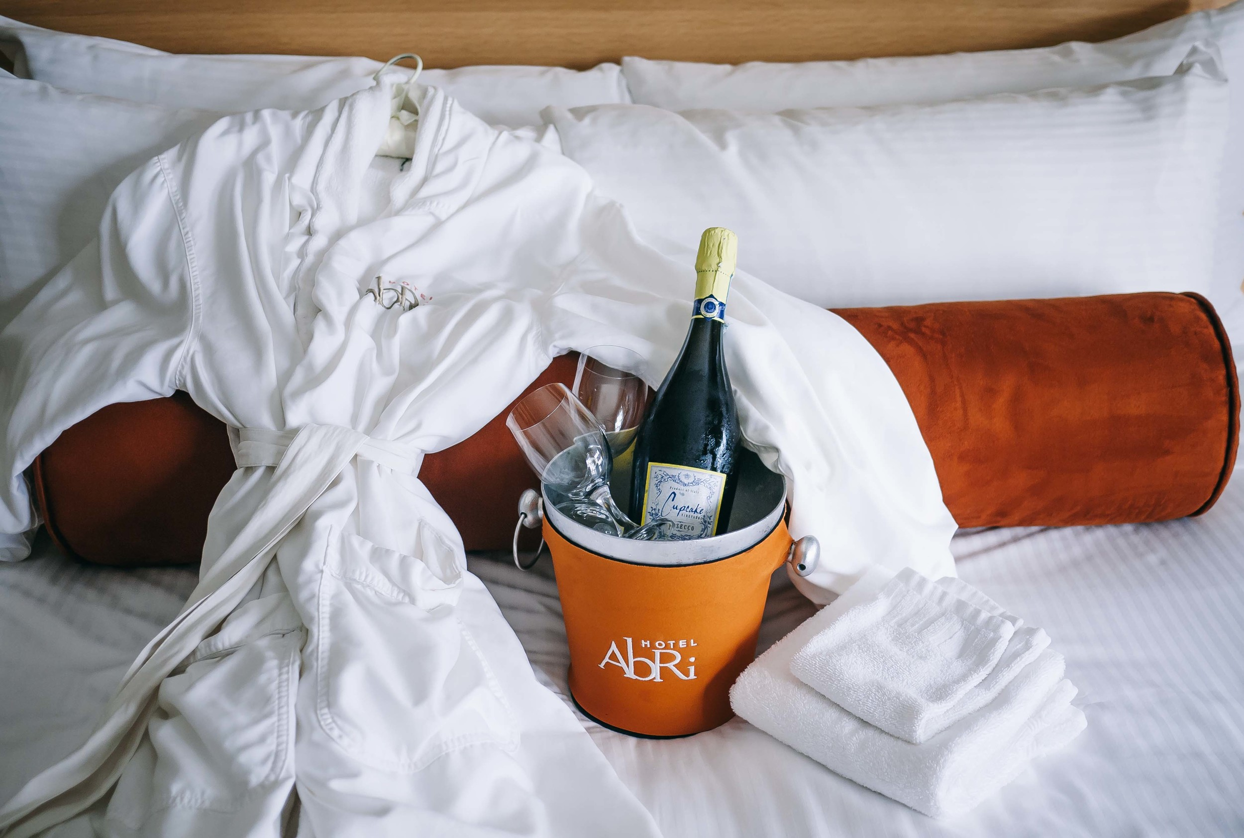 Nothing like kicking-off a Labor-Less Weekend stay with bubbly in a bathrobe.