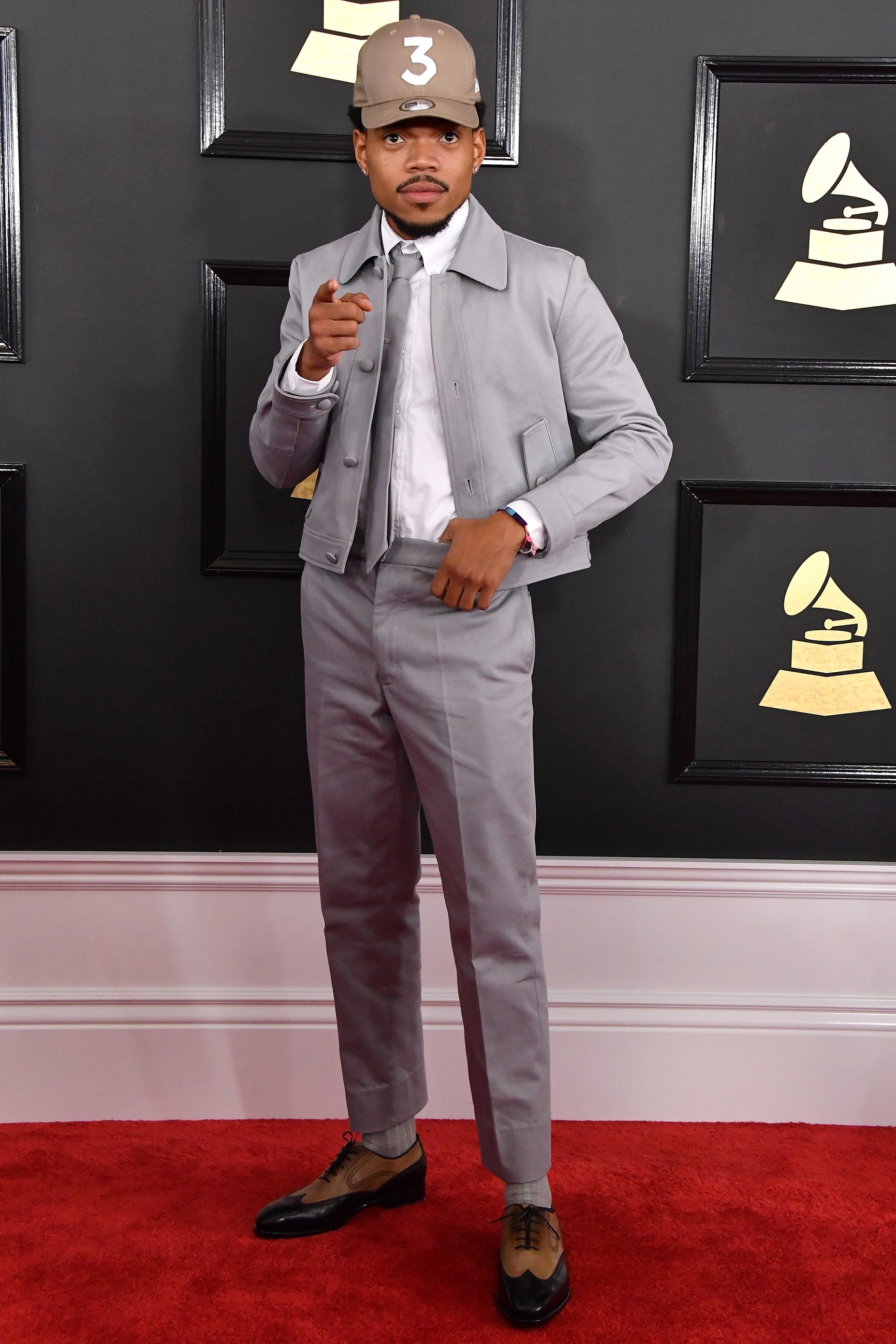 Chance the Rapper slayed in this almost all-grey ensemble. The matching tie really took it to the next level, with just the right amount of contrast from his sharp oxford derbys.