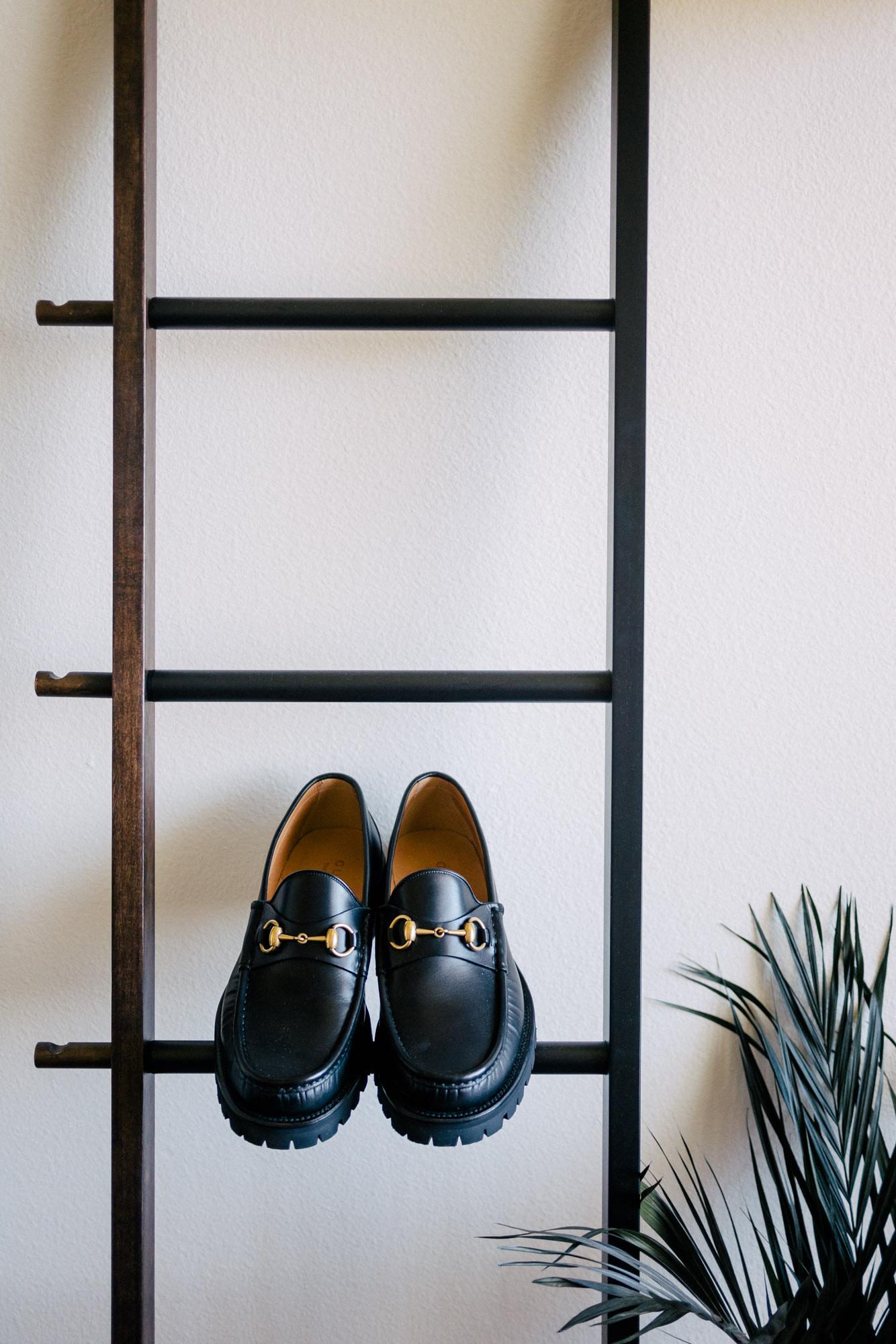 mybelonging-gucci-horsebit-black-loafers-menswear-mens-shoes-luxury-designer-2.jpg