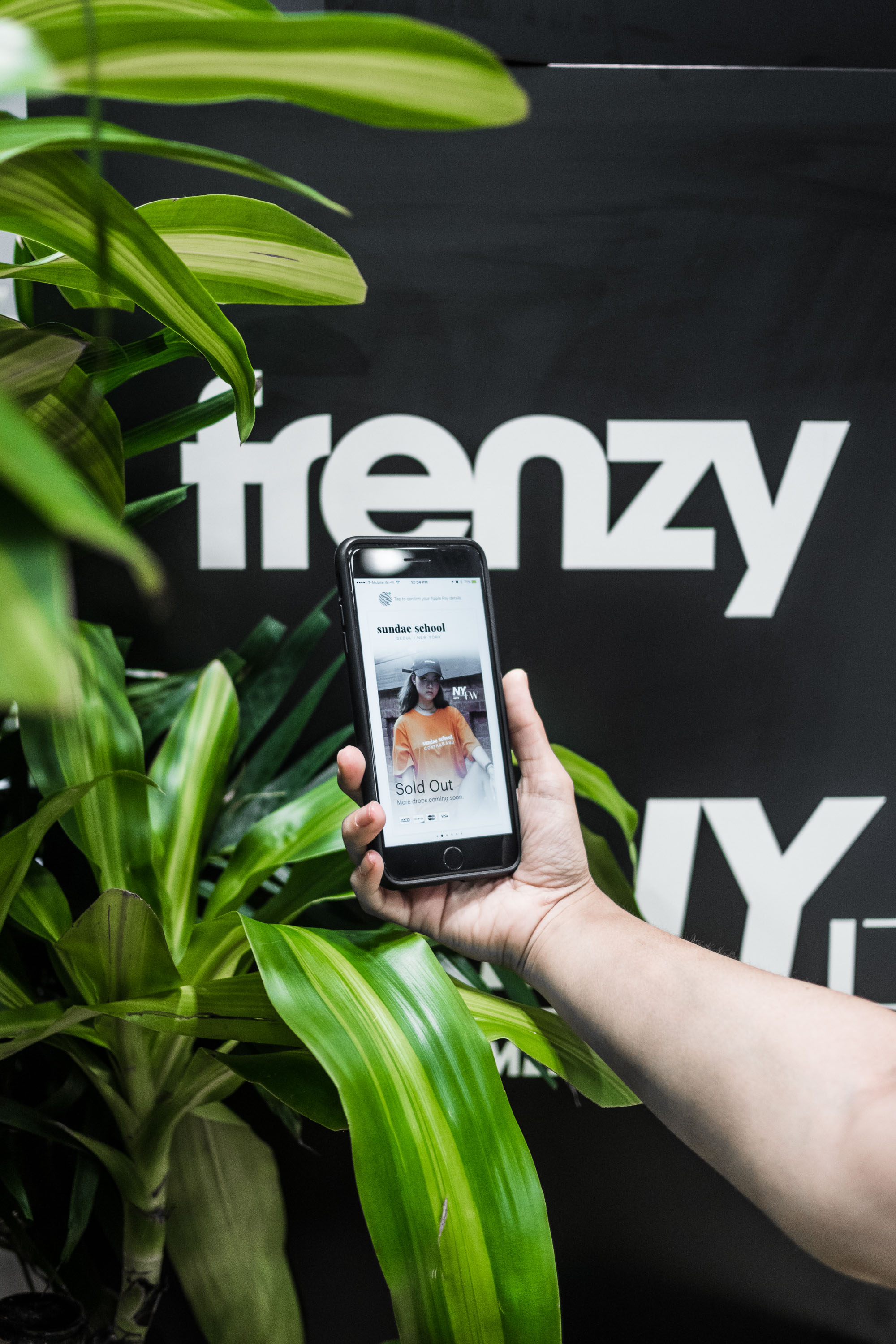 Are you addicted to streetwear? - Well then, you'd want to know all about Shopify's latest app — Frenzy.