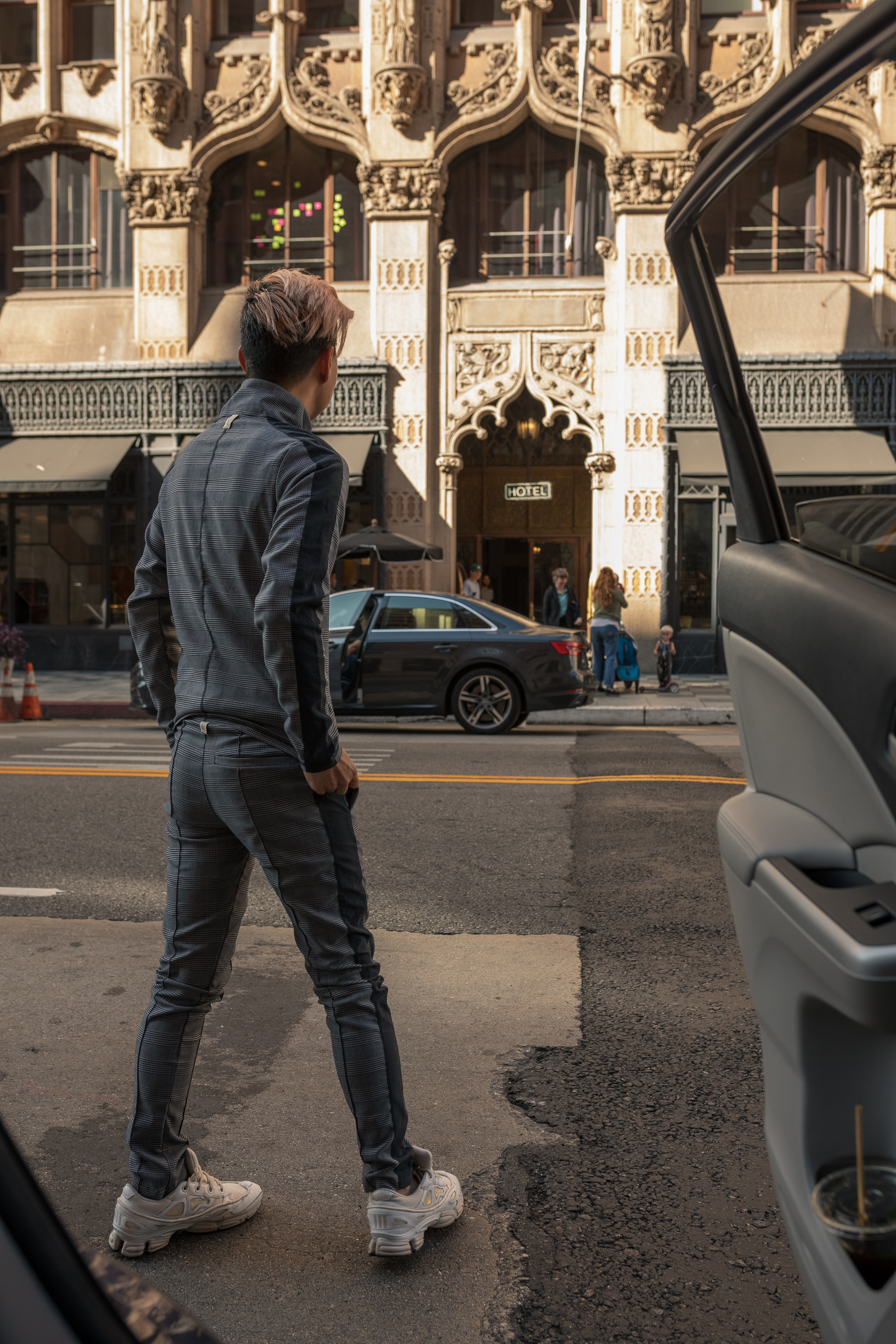 Ready. Set. Go. - Pacing and shooting around the streets of Downtown Los Angeles with Uber.