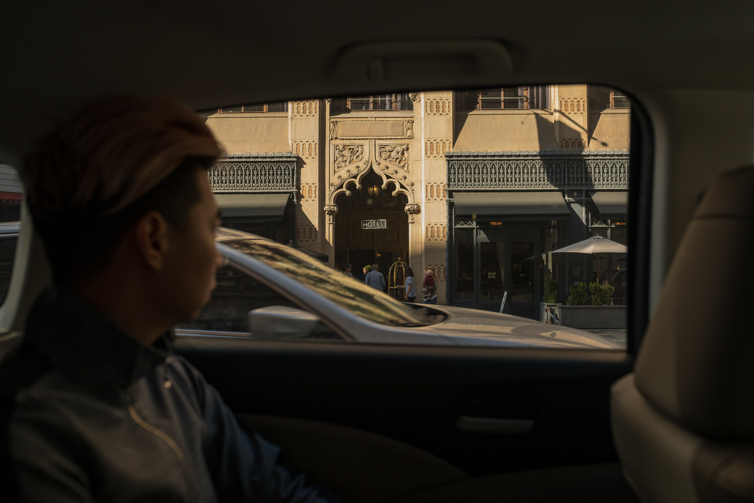 MYBELONGING-UBER-DOORS-ARE-ALWAYS-OPENING-DOWNTOWN-LOS-ANGELES-STREETSTYLE-PHOTOGRAPHY31.jpg
