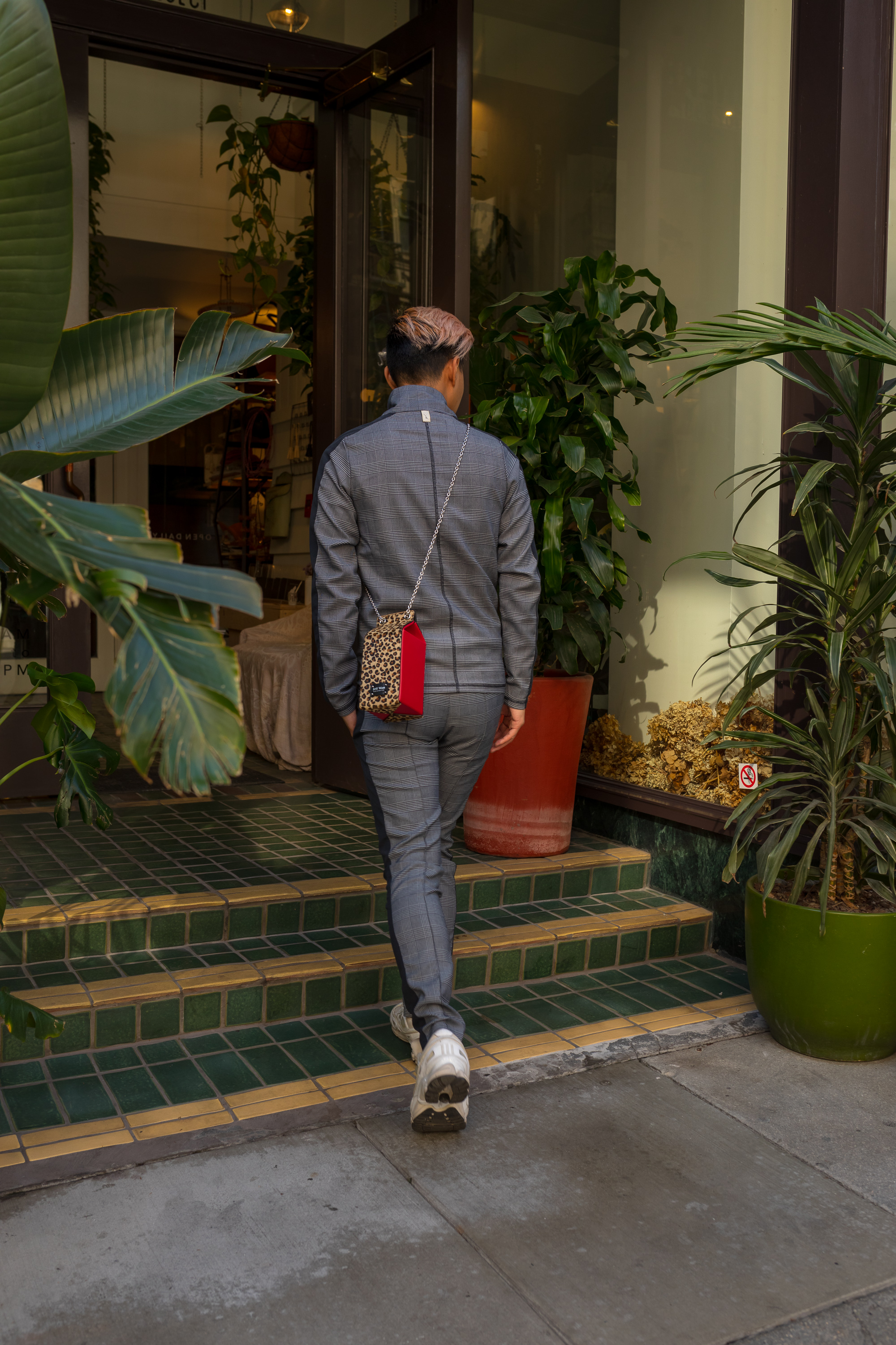 MYBELONGING-UBER-DOORS-ARE-ALWAYS-OPENING-DOWNTOWN-LOS-ANGELES-STREETSTYLE-PHOTOGRAPHY21.jpg