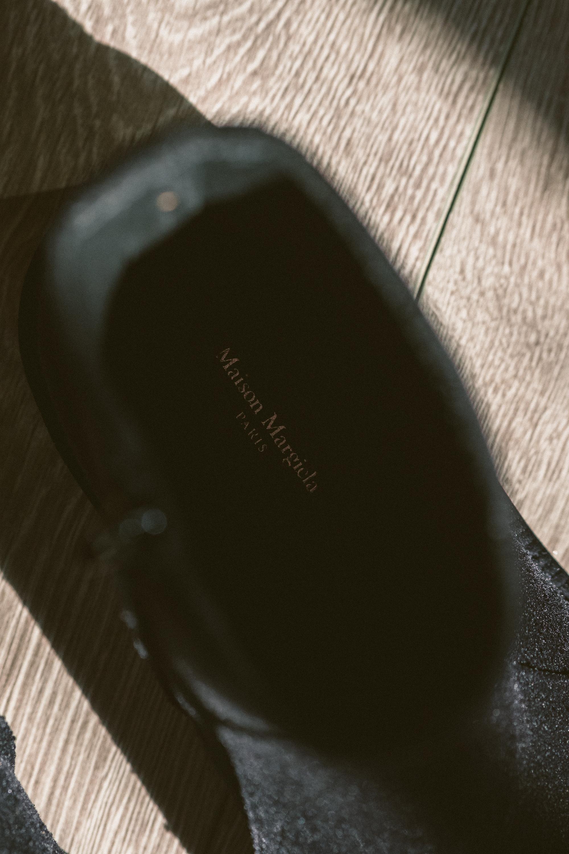 MYBELONGING-MAISON-MARGIELA-TABI-BOOTS-LUXURY-AGENDER-FOOTWEAR-MENS-WOMENS-HIGH-FASHION15.jpg