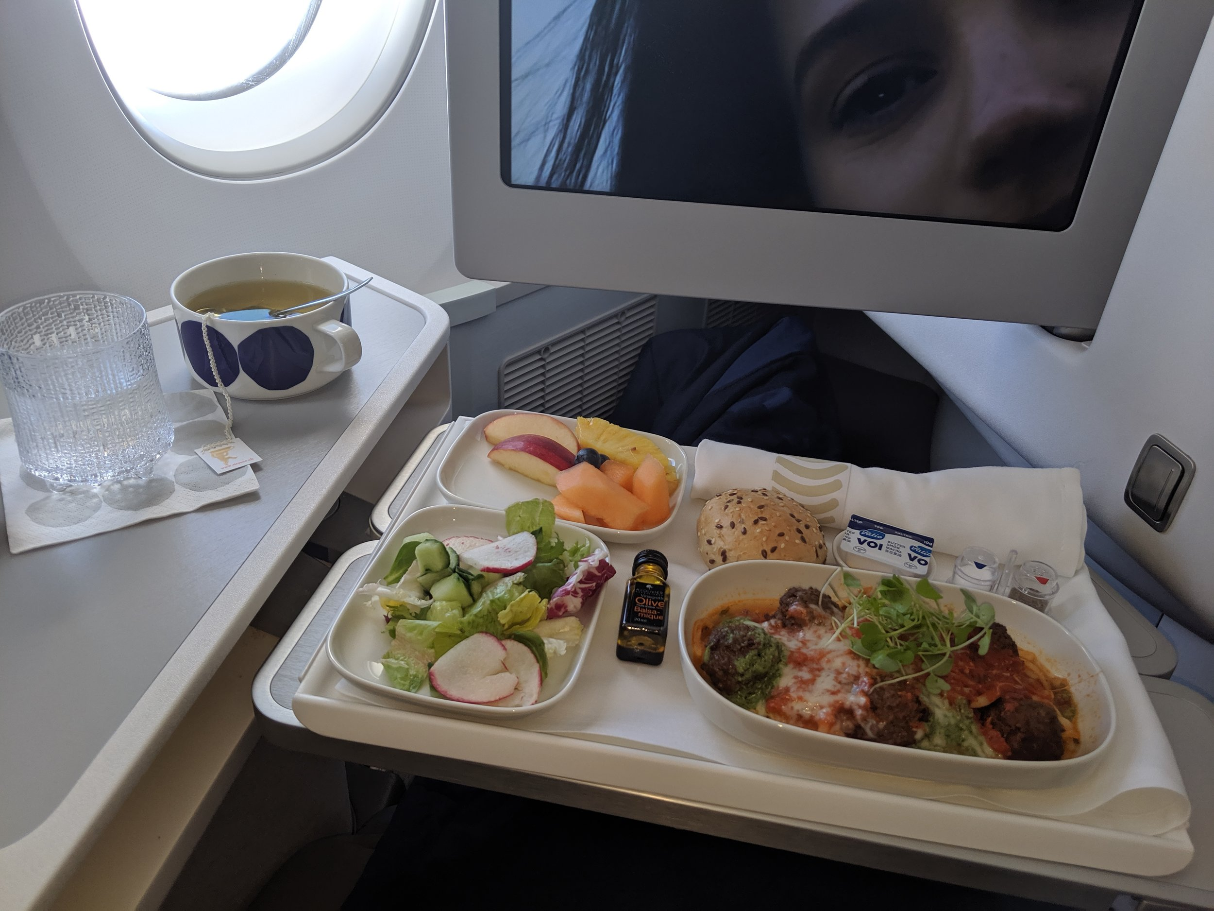 Finnair-a350-business-class-food-options-photography