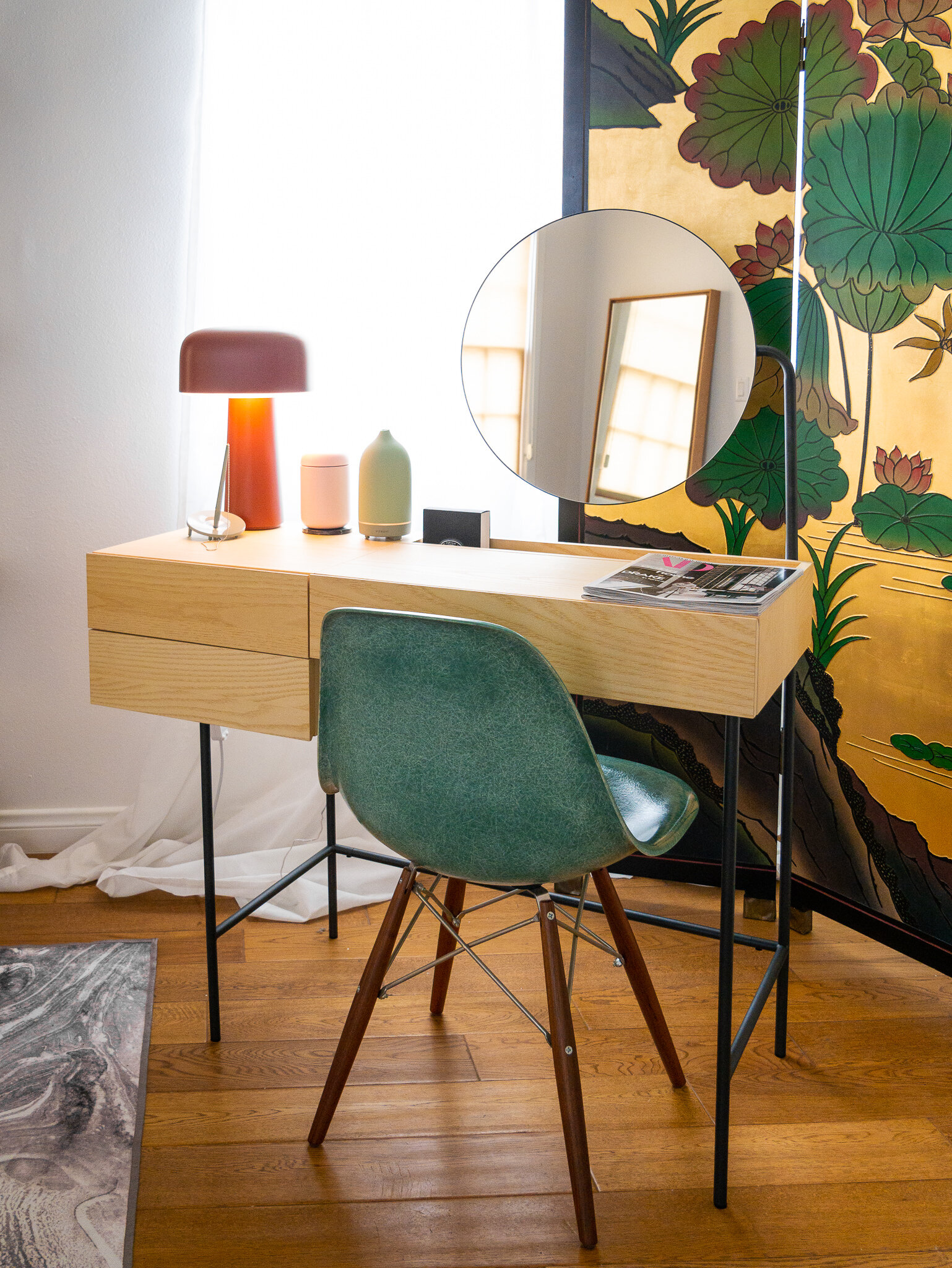Friday Finds Is It A Desk Or Vanity Introducing Dims Composed Vanity Desk Mybelonging Modern Lifestyle Home Interiors And Design Travel And Menswear