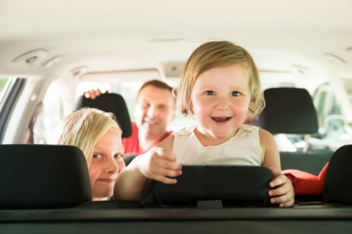 8-ways-to-entertain-kids-on-a-road-trip.jpg