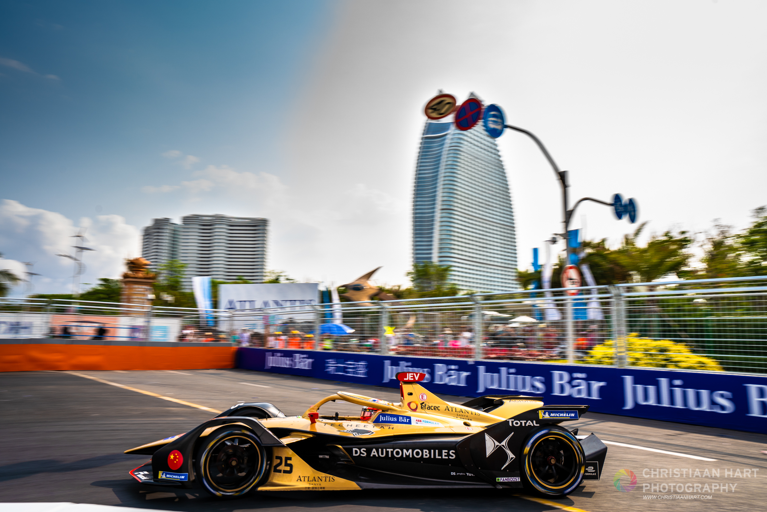 Jean Eric Vergne on his way to victory. A home win for team  DSTecheetah