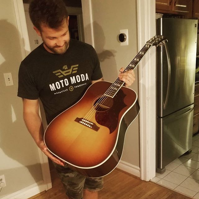 I come home from band practice to this beauty!  @gibsonguitar Northern Artist! @katiemorrice_slack got it for me as an early birthday gift! 😍😍 Thanks so much my love! . . .  #limitededition #gibson #customshop #canada150 #exclusive #canada #countrymusic #newguitar #guitar #inlove #acoustic #beauty #canadiancountry #countrymusic #ccma #ready