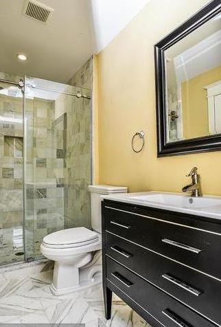 bathroom, hideous.JPG