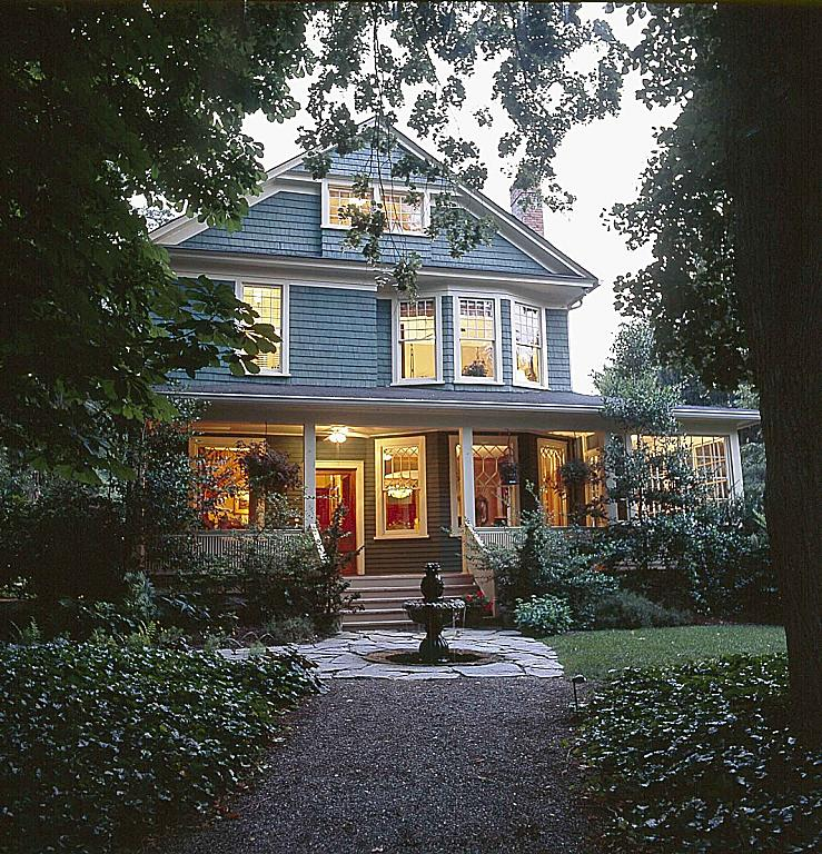 at-cumberland-falls-bed-and-breakfast-inn-asheville-nc-gift-guide.jpg