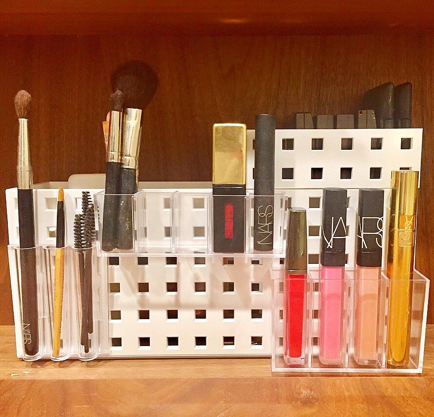 Henry & Higby_Makeup Organization.JPG