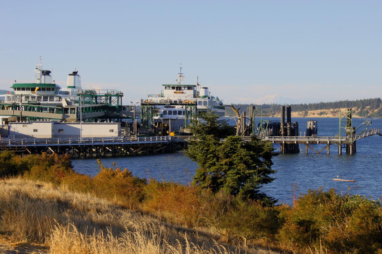 Ferries in Anacortes.jpg