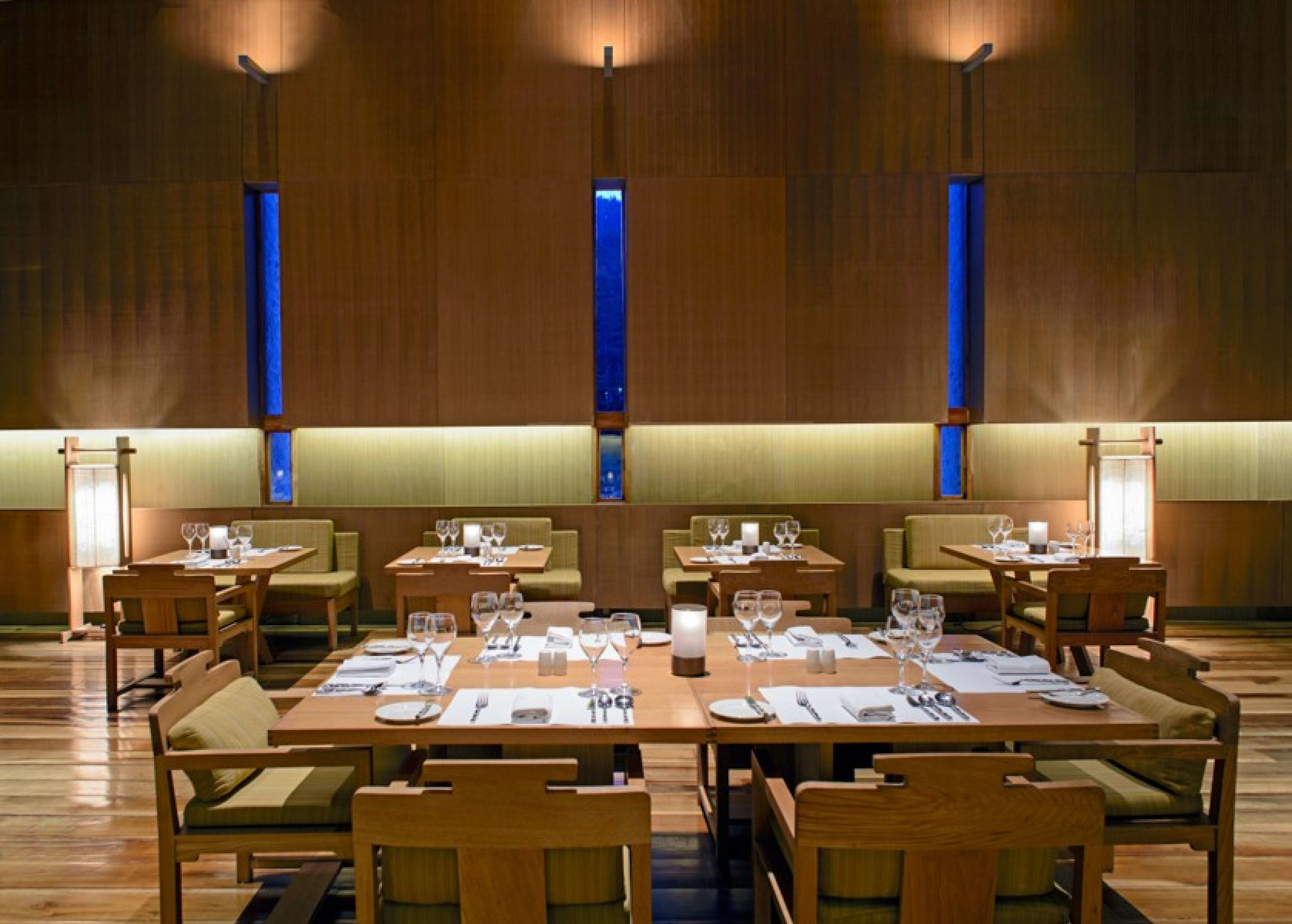 2 Thimphu Lodge Dining Room_1400x600.jpg