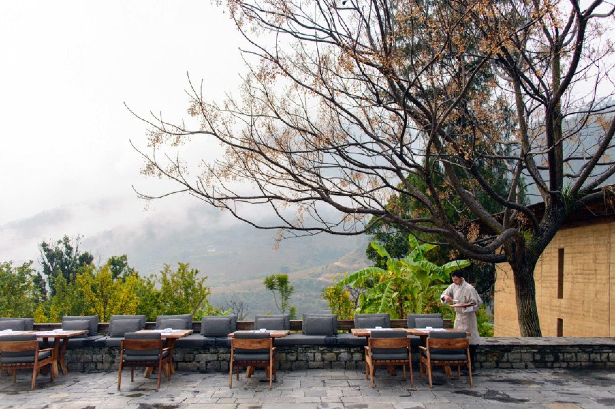 05 Punakha Lodge Courtyard Terrace_1400x600.jpg