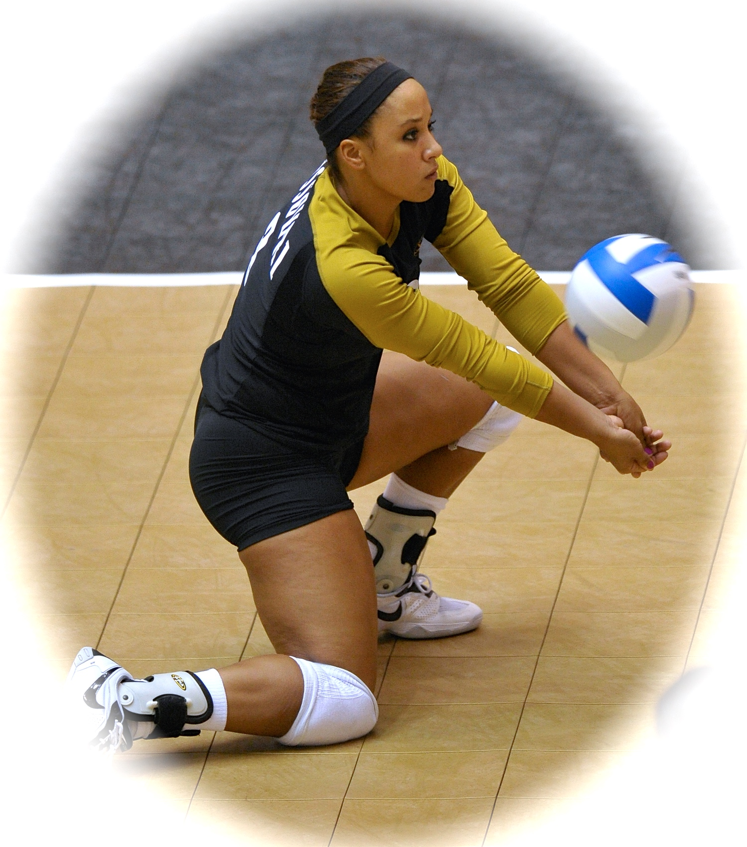 All lessons will be instructed by former Mizzou libero and professional volleyball player, Caitlyn Vann. Vann, who has been coaching for 8 years, played professionally overseas, was a High School All-American, 9-time BIG 12 Defensive Player of the year, and a 3-time member of the USA Youth & Junior National Team.   Click here  to read more about her coaching and playing background.