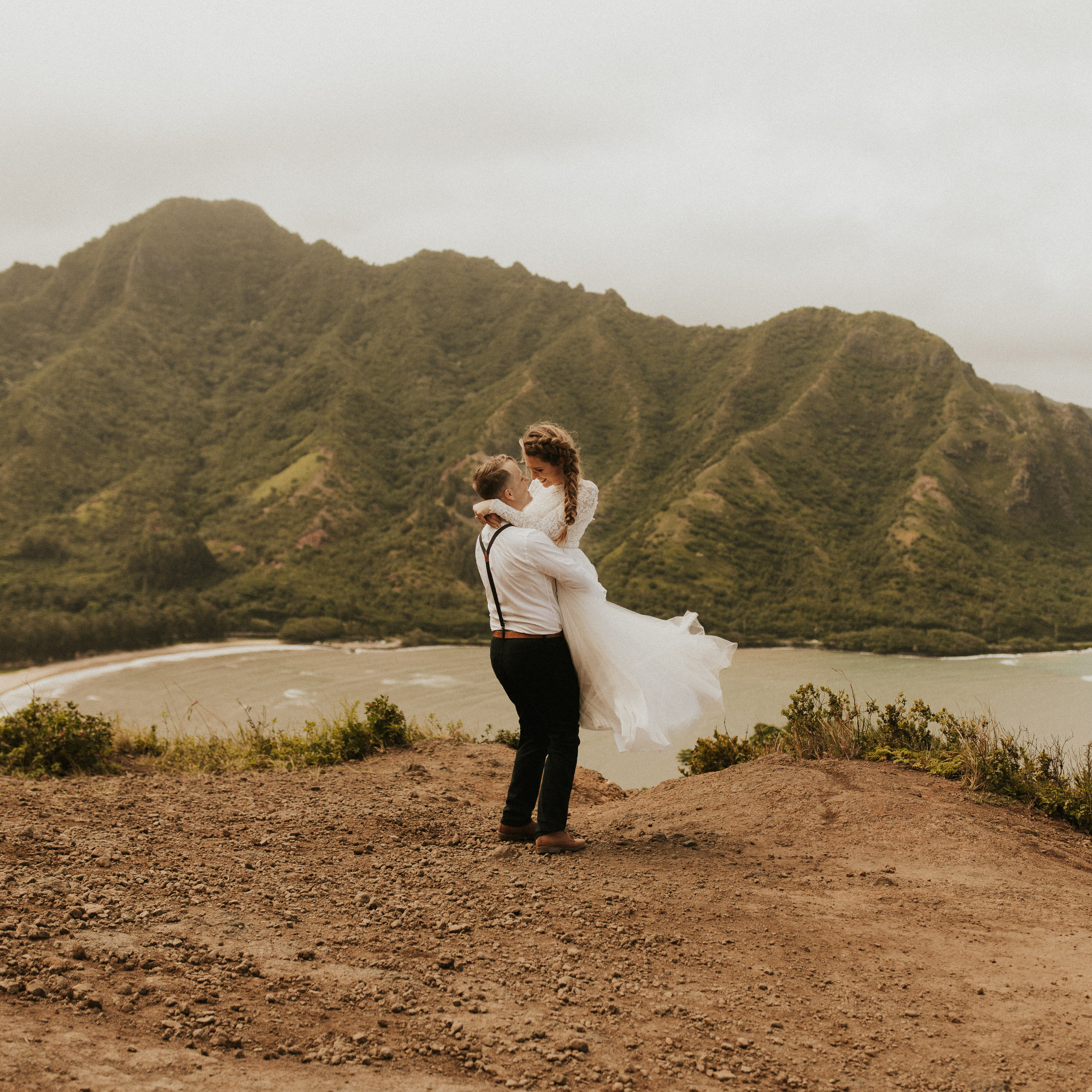 the-mclachlans-destination-elopement-photographers-mountain-hike-sena-eric-35.jpg
