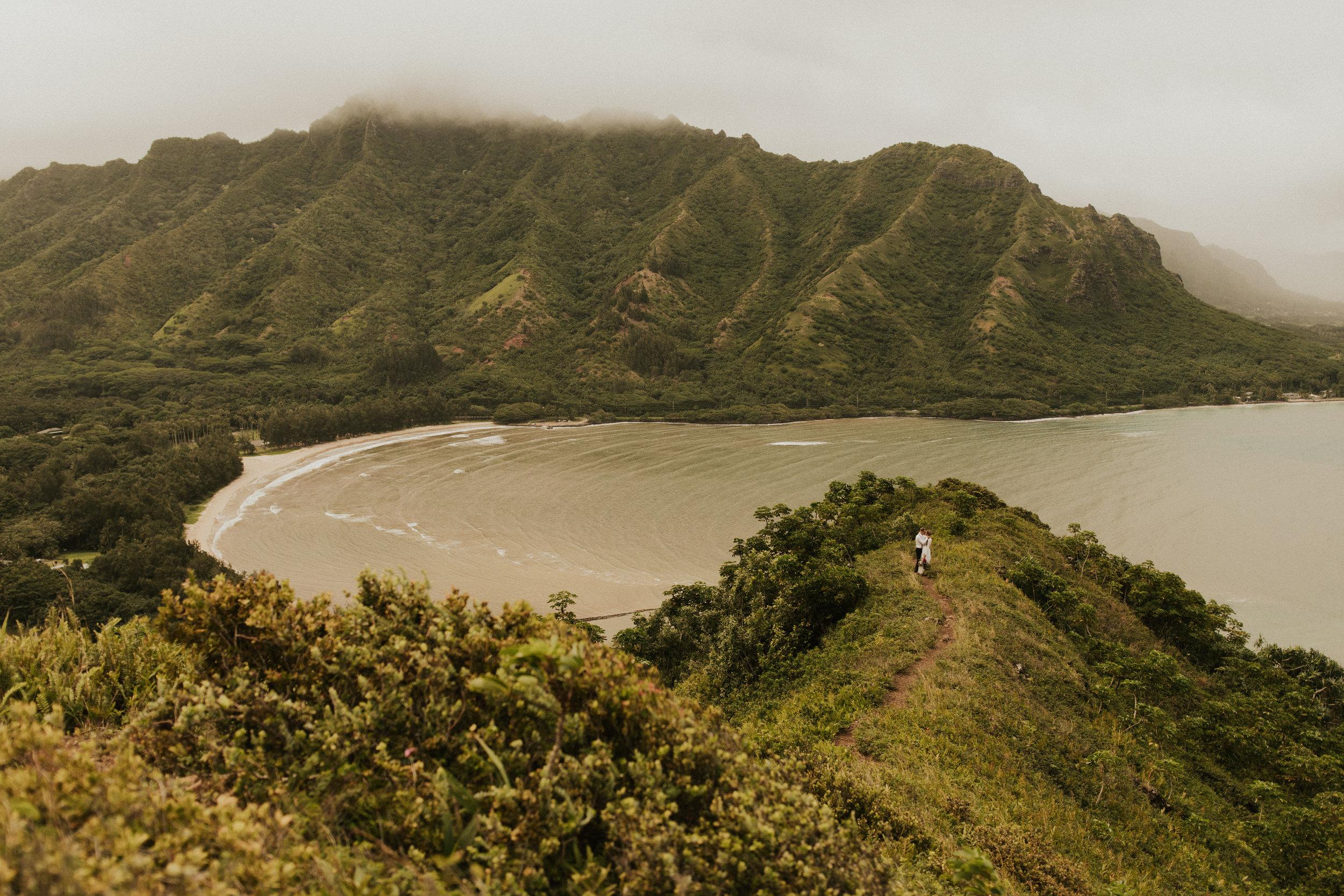 the-mclachlans-destination-elopement-photographers-mountain-hike-sena-eric-104.jpg