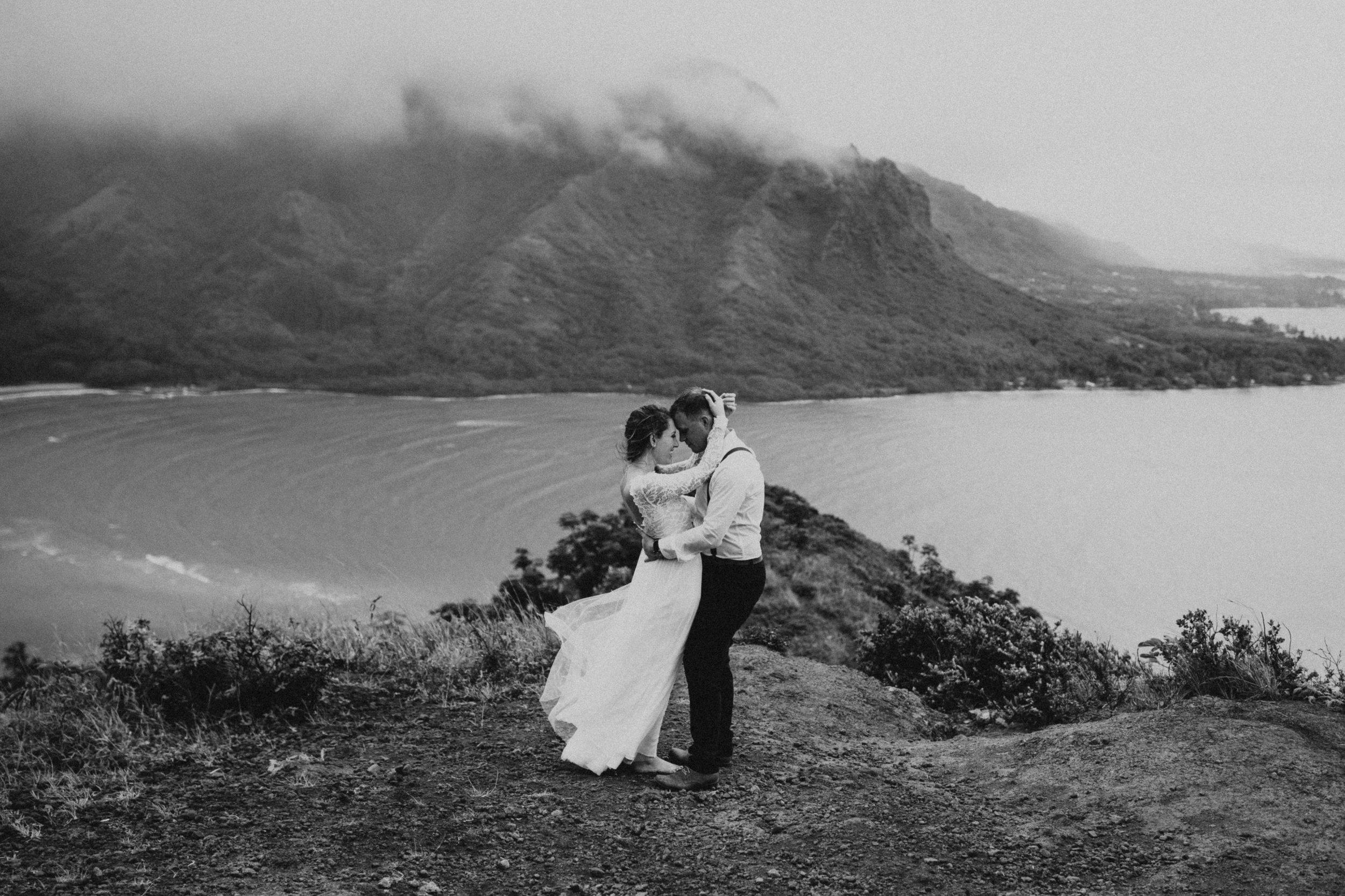 the-mclachlans-destination-elopement-photographers-mountain-hike-sena-eric-129.jpg