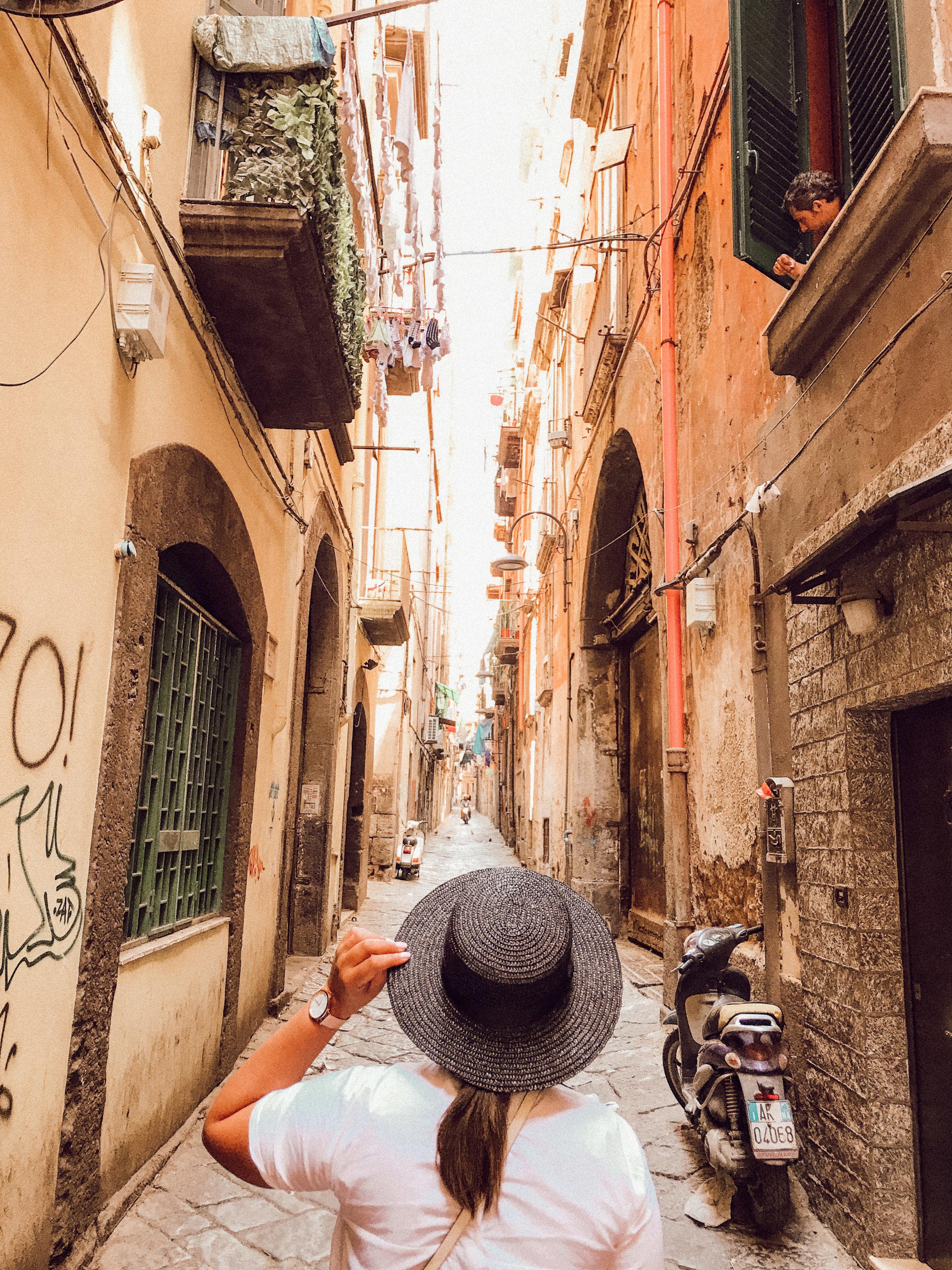 Alley in Napoli