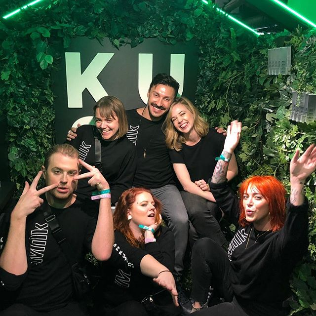 Even the longest days are a blast when you work with such amazing people. 💚 you guys! @milkmakeup #sephoria #kushmascara