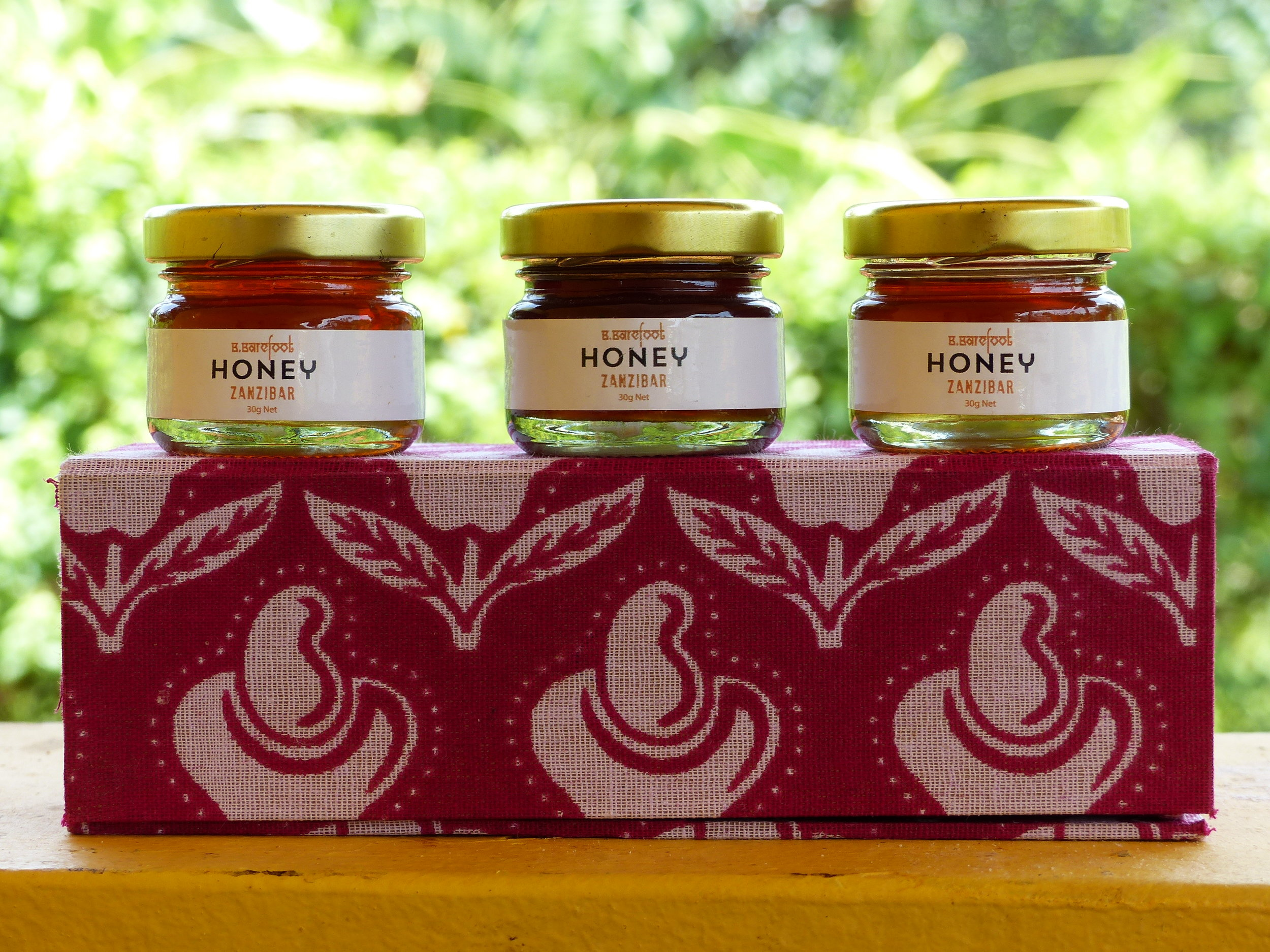B.BAREFOOT HONEY GIFT BOX 3*30g HONEY JARS