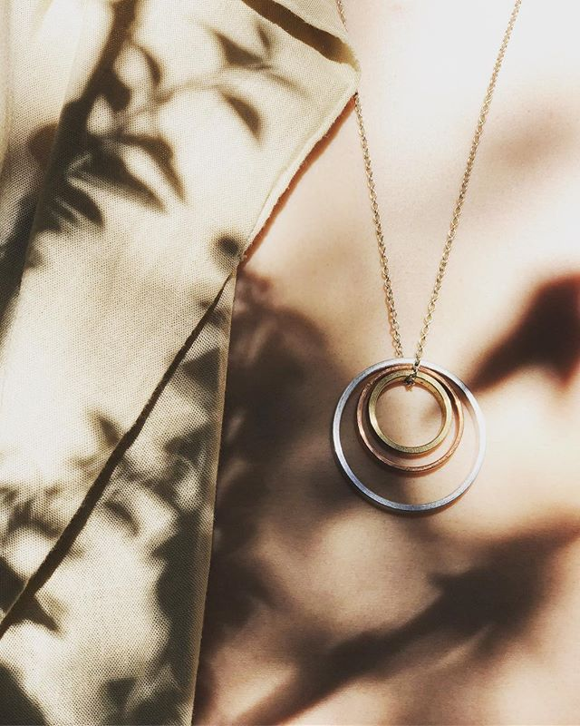 Turn your face to the sun and the shadows fall behind you. ✨ ~ ~ ~ ~ #walthwithman #cutandcircle #circularfashion #industrial #standards #kósmos #jewelrydesign #upcyling #brass #aluminium #copper #localbrand #malmö #nordicdesign #nordicinspiration