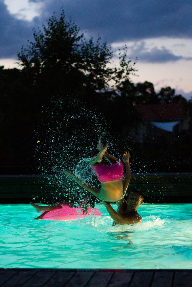 neo+pool.jpg