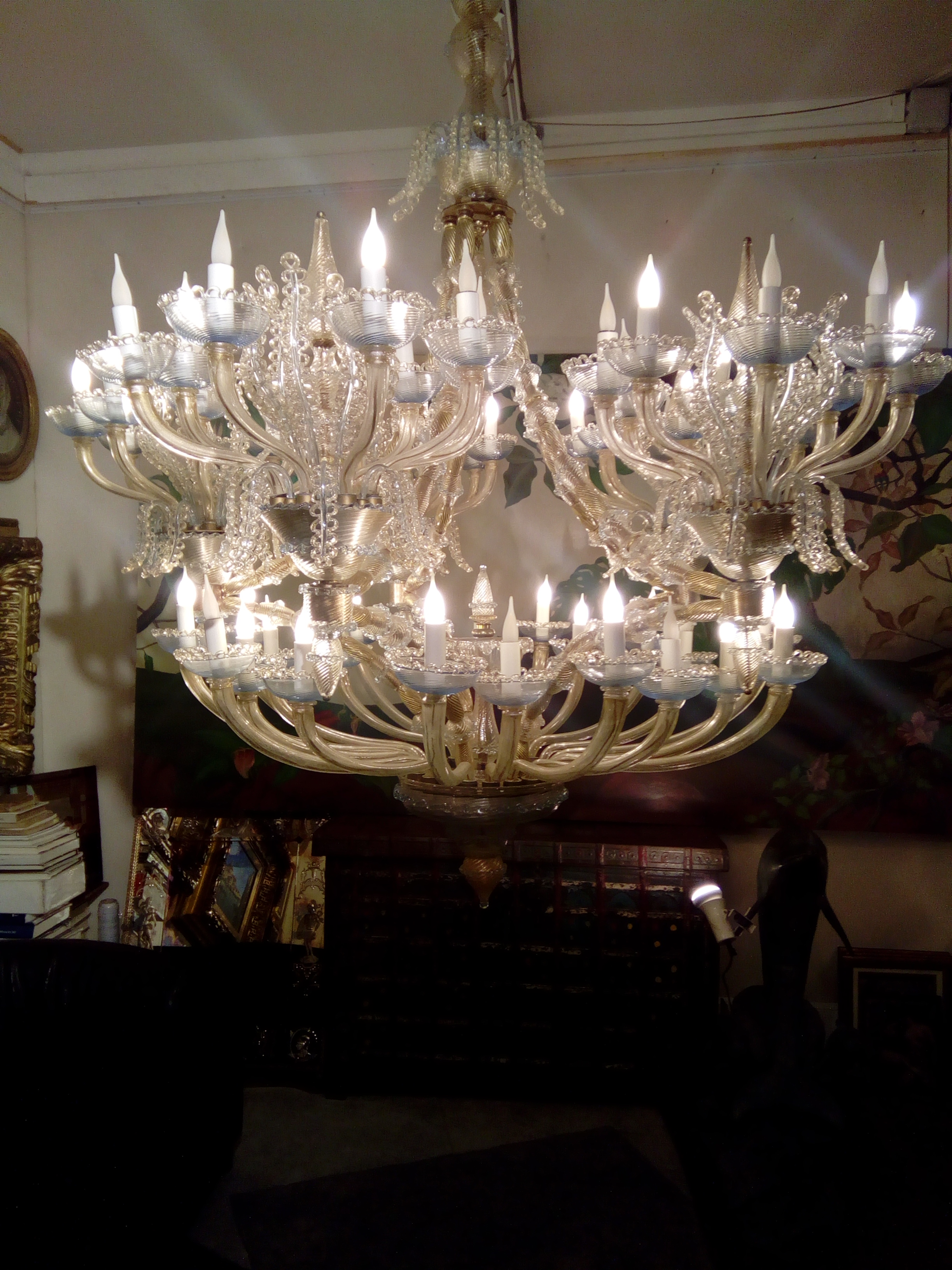 chandelier murano.jpg